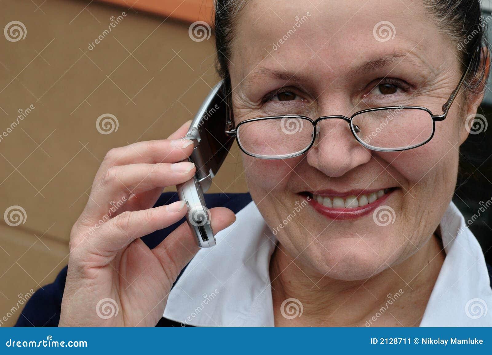 Mujer de carrera activa en su lat