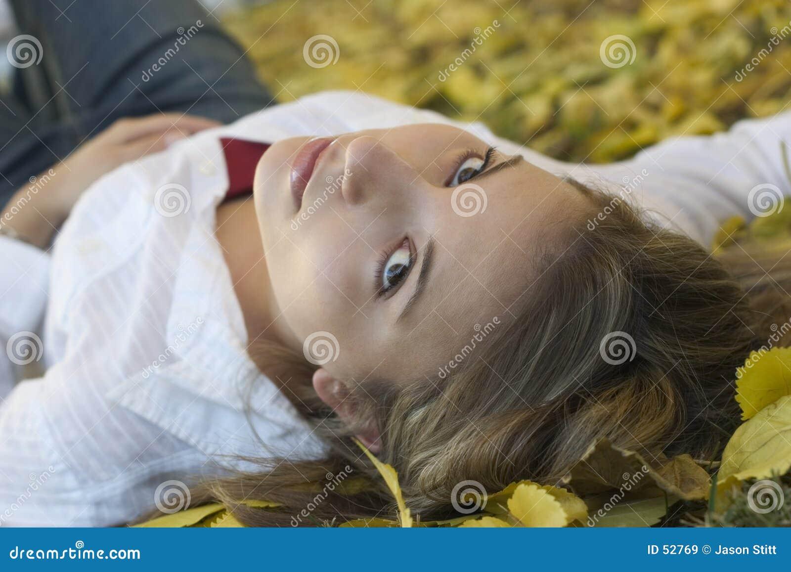 Mujer de las hojas
