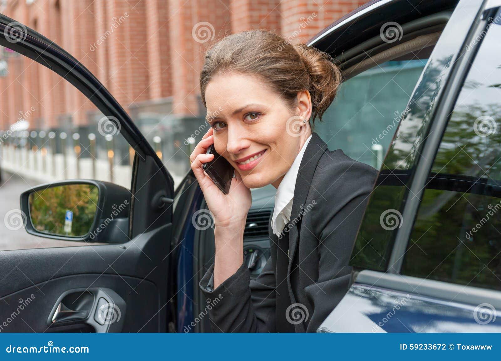 Download Mujer De Negocios En Un Coche Foto de archivo - Imagen de vehículo, sentada: 59233672