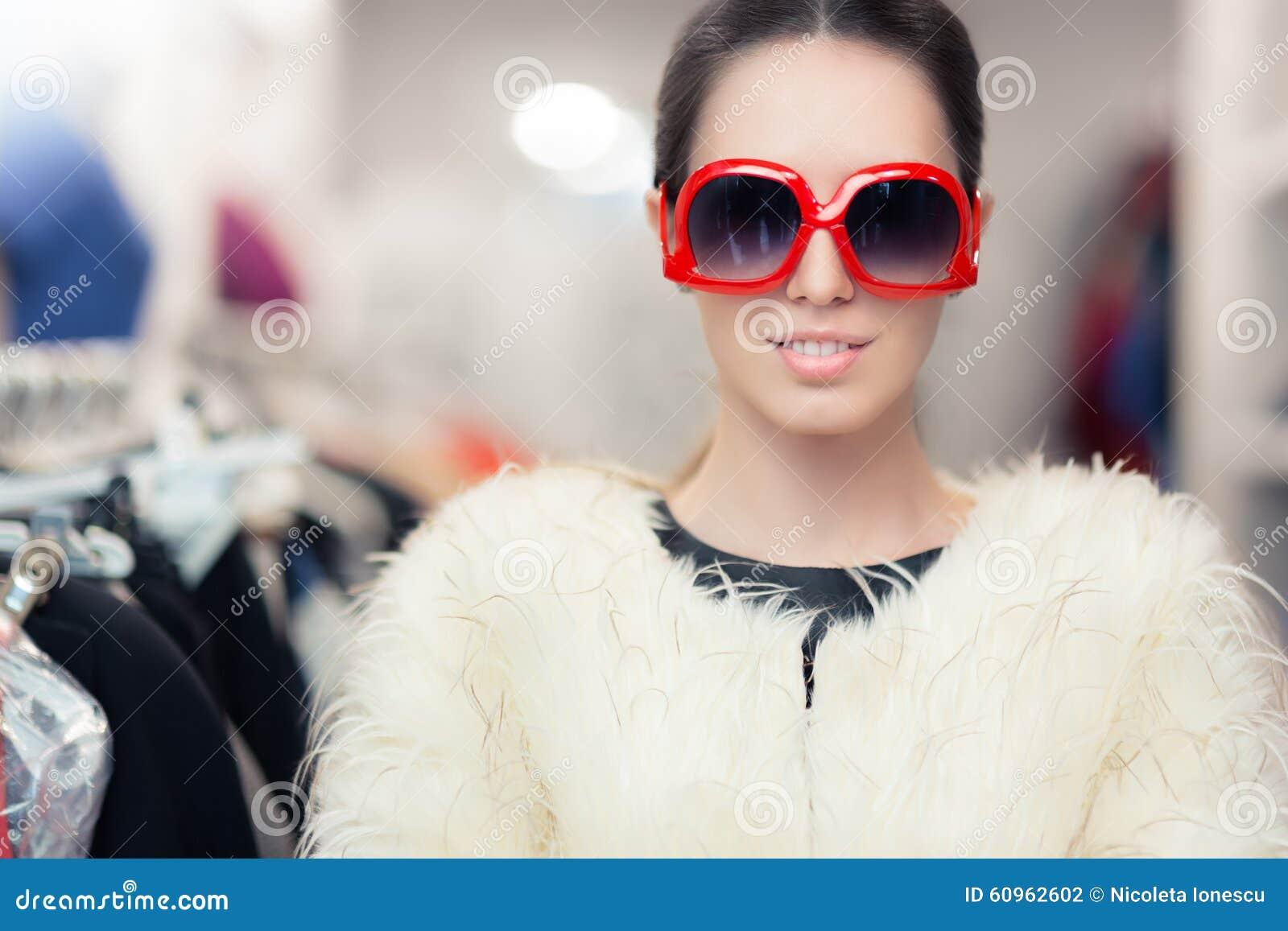 Mujer En Con Pieles Abrigo Invierno Las De Gafas Del Grandes Sol ZZEqw7UP