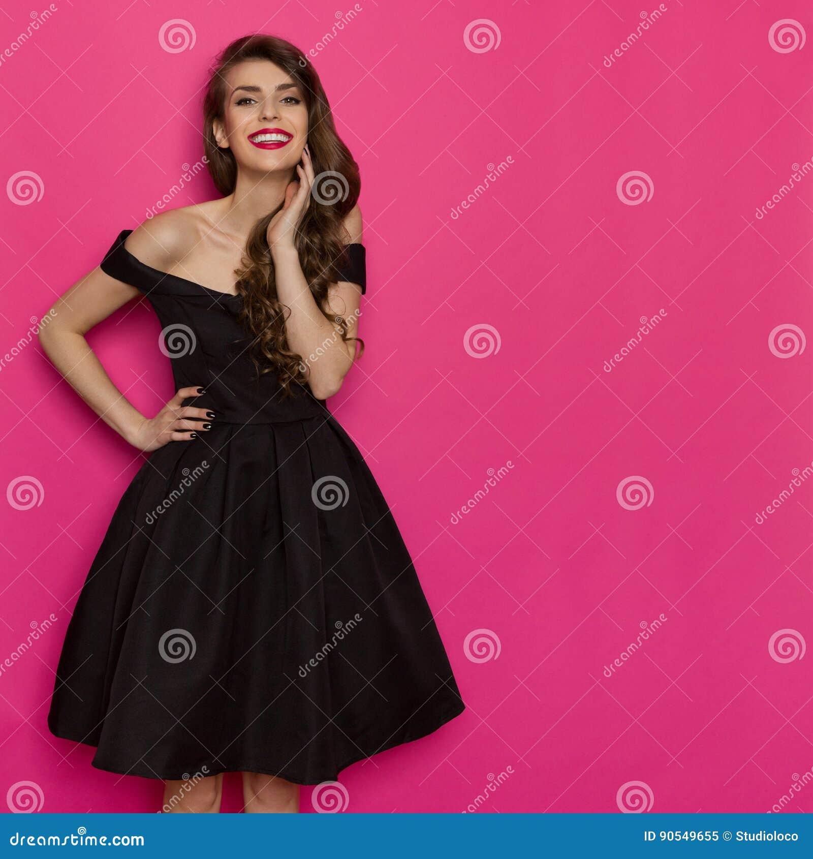 Hermosa Elegante Vestido De Cóctel Negro Elaboración - Ideas de ...