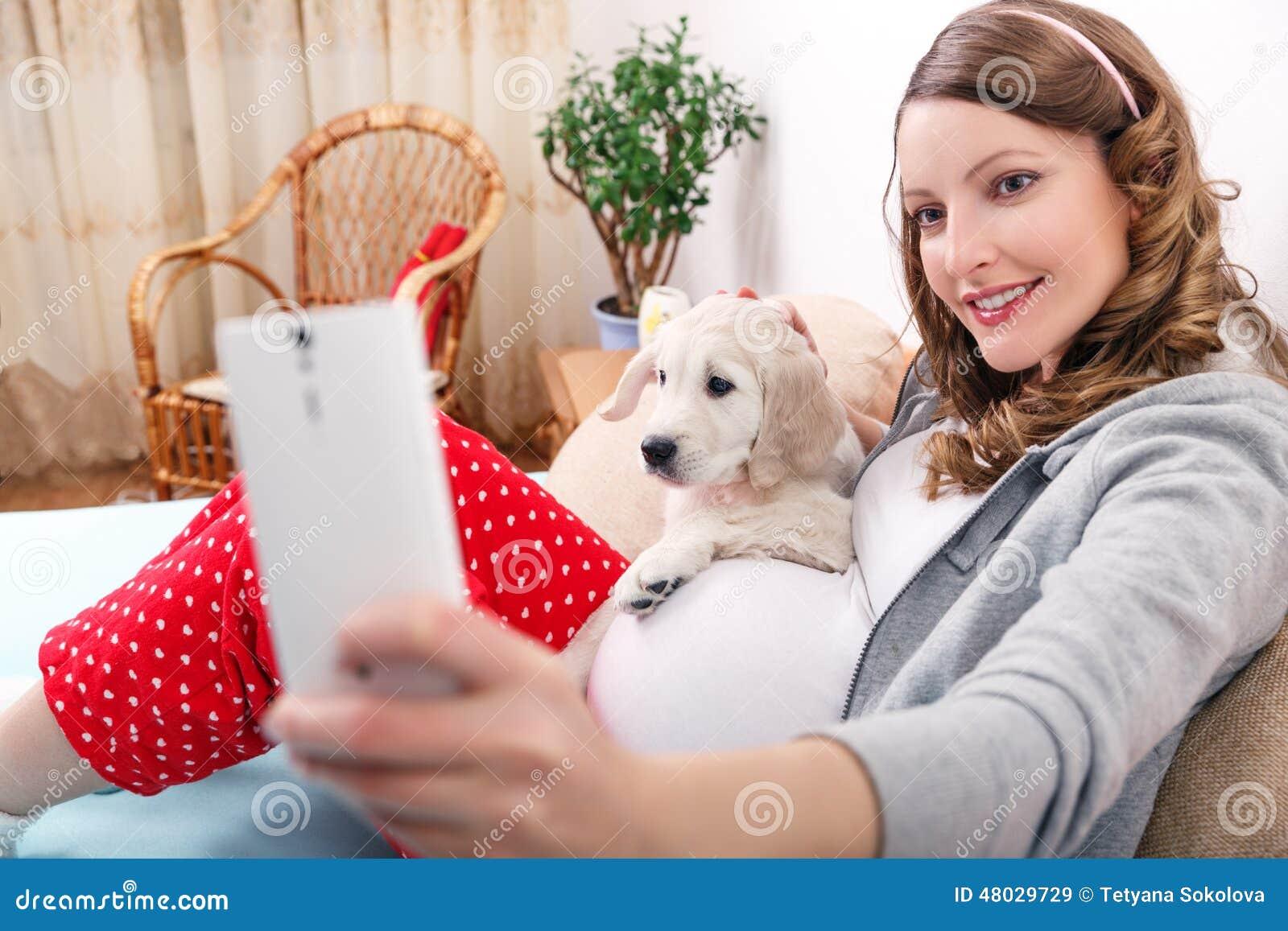 charla mujer estilo perrito