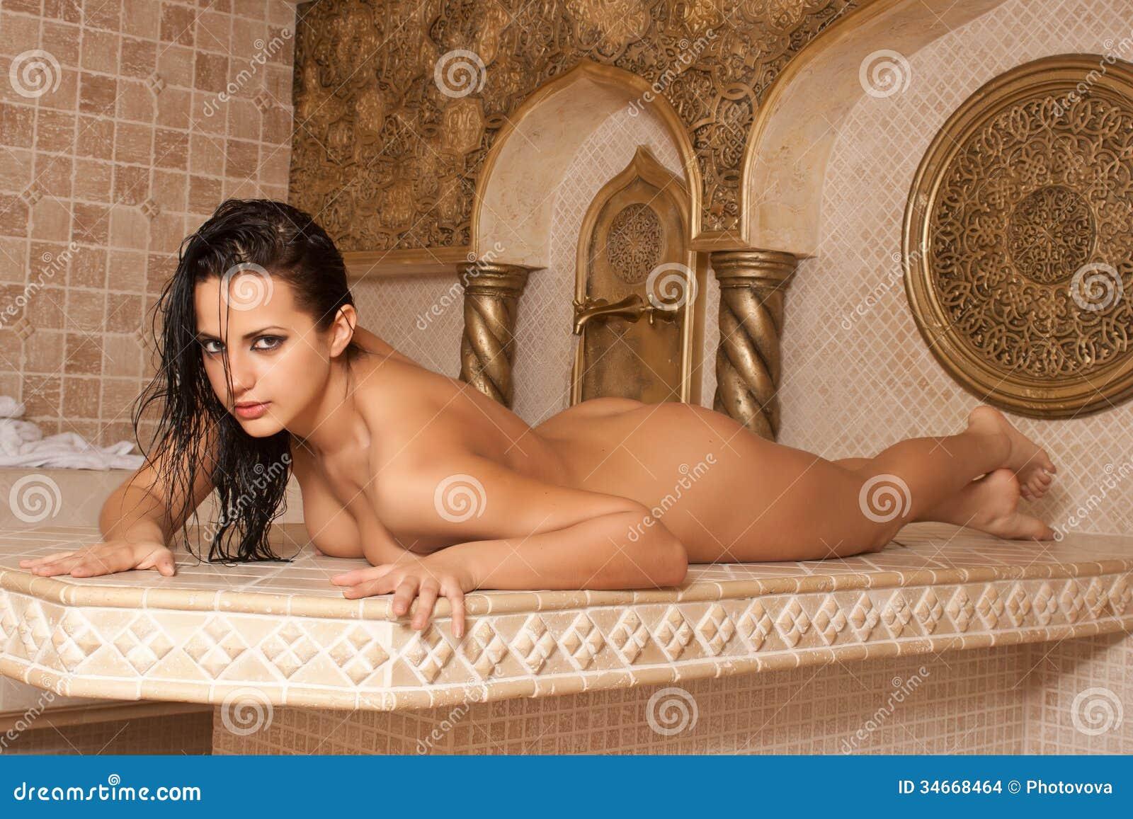 Nude chinese women ass