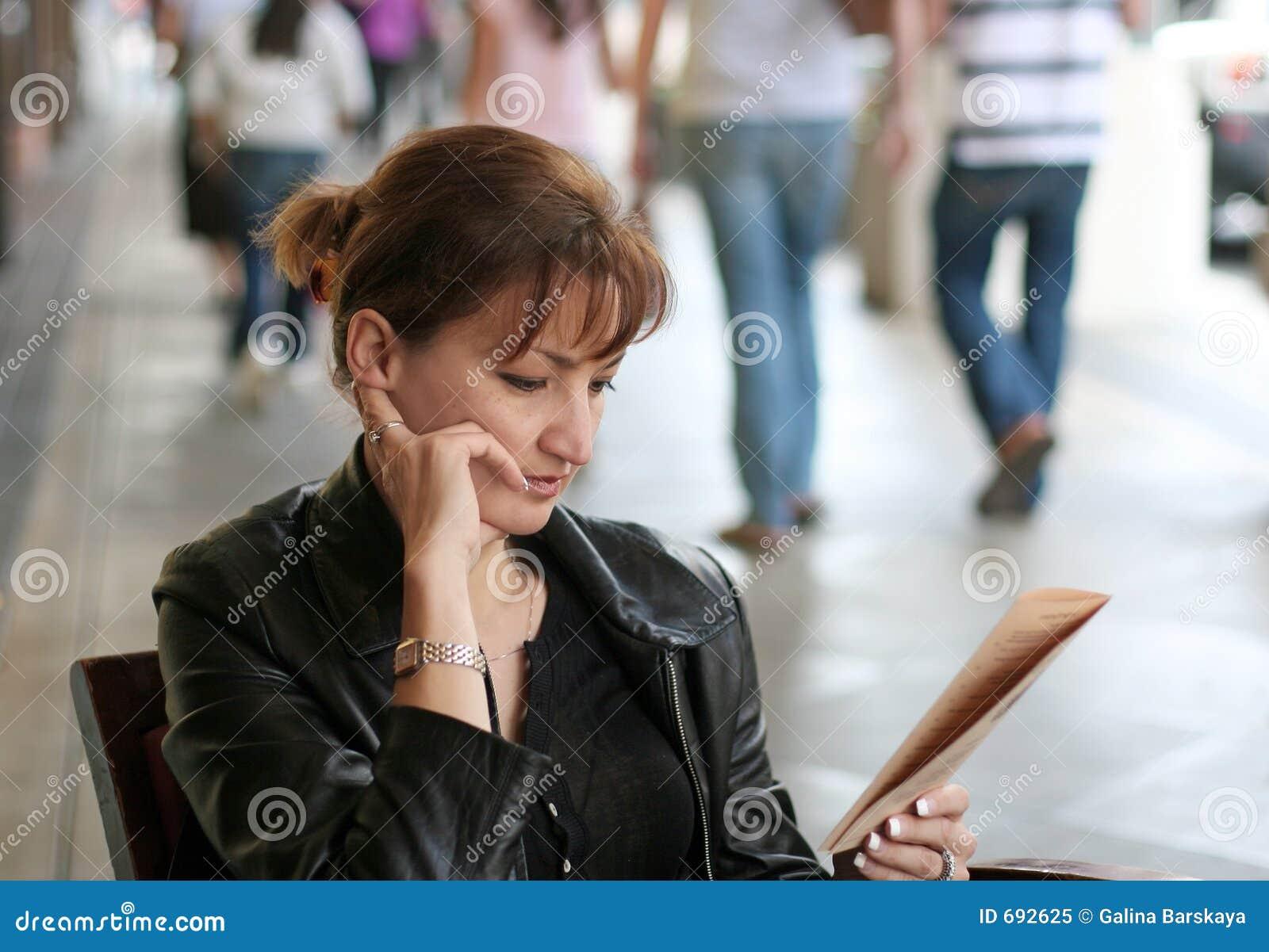 Mujer en el almuerzo