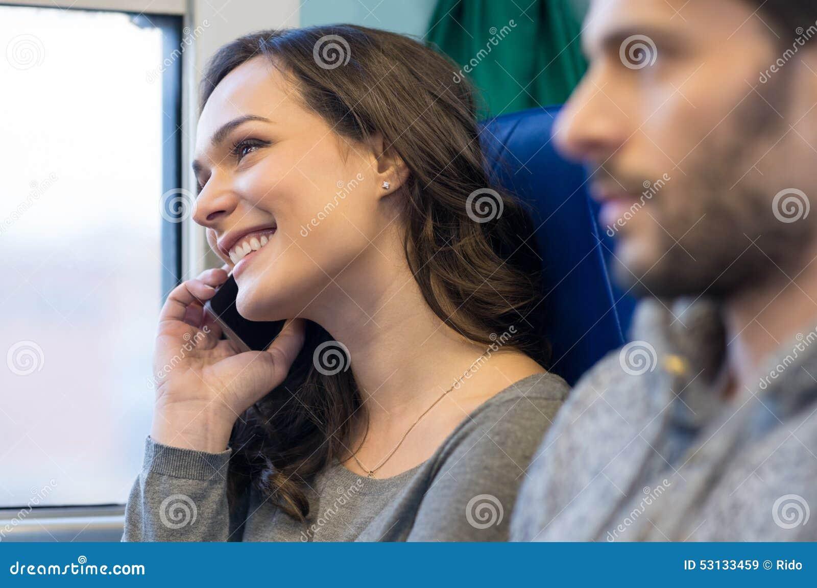 Mujer en el teléfono móvil