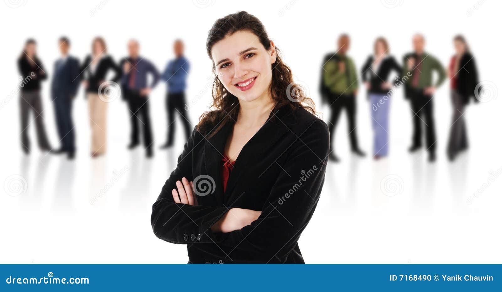 Mujer feliz con sus personas