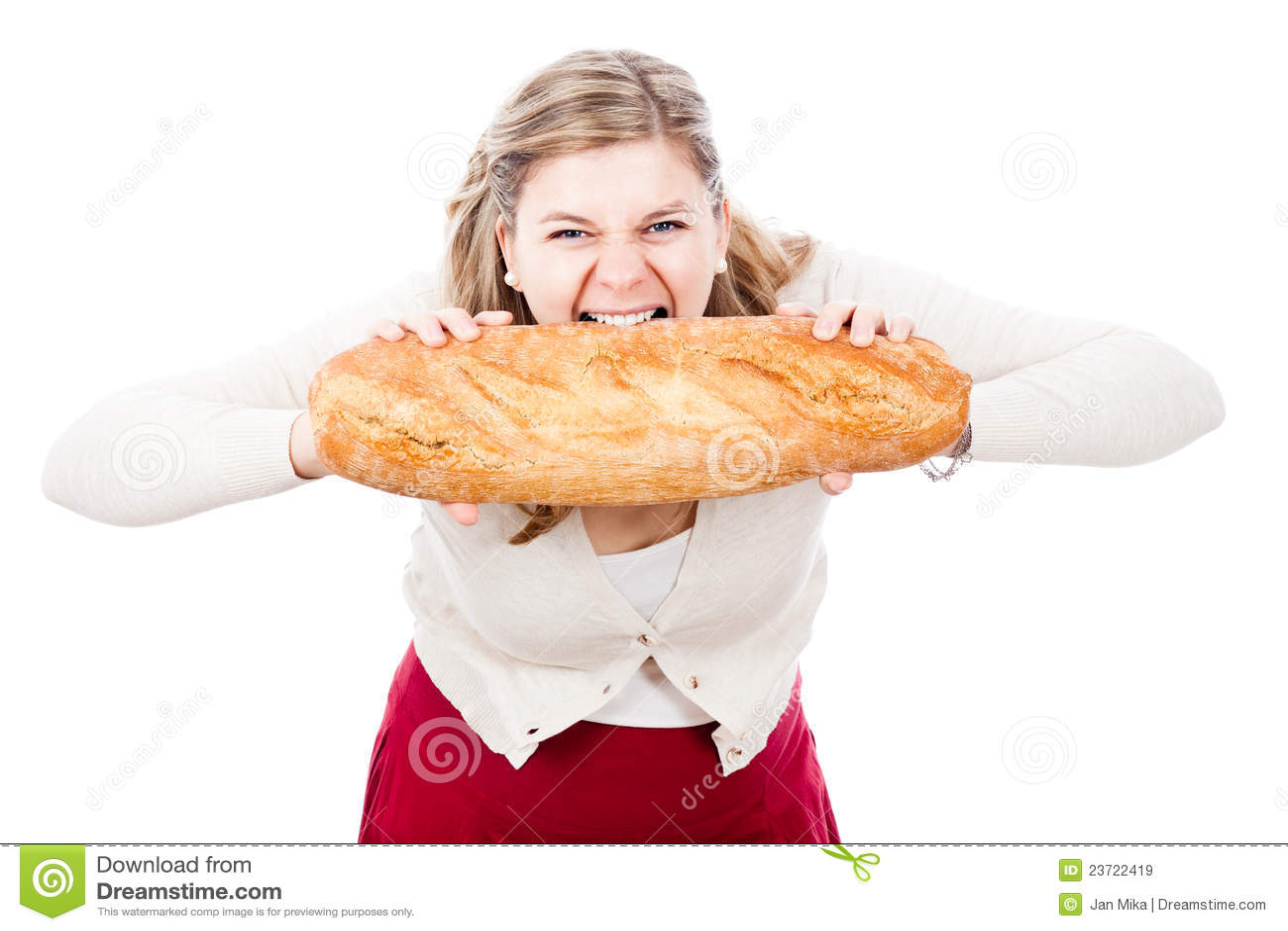 Mujer hambrienta con pan