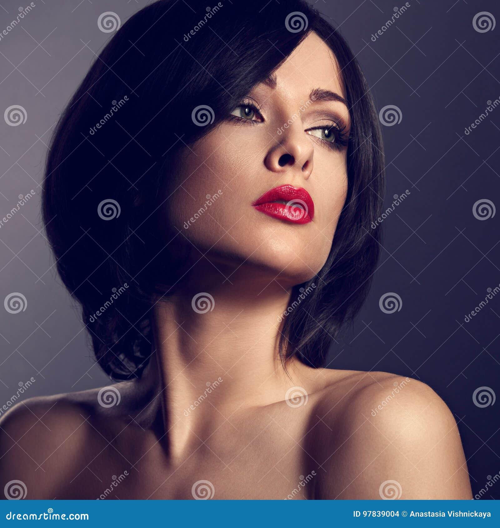Maquillaje para cabello negro y corto