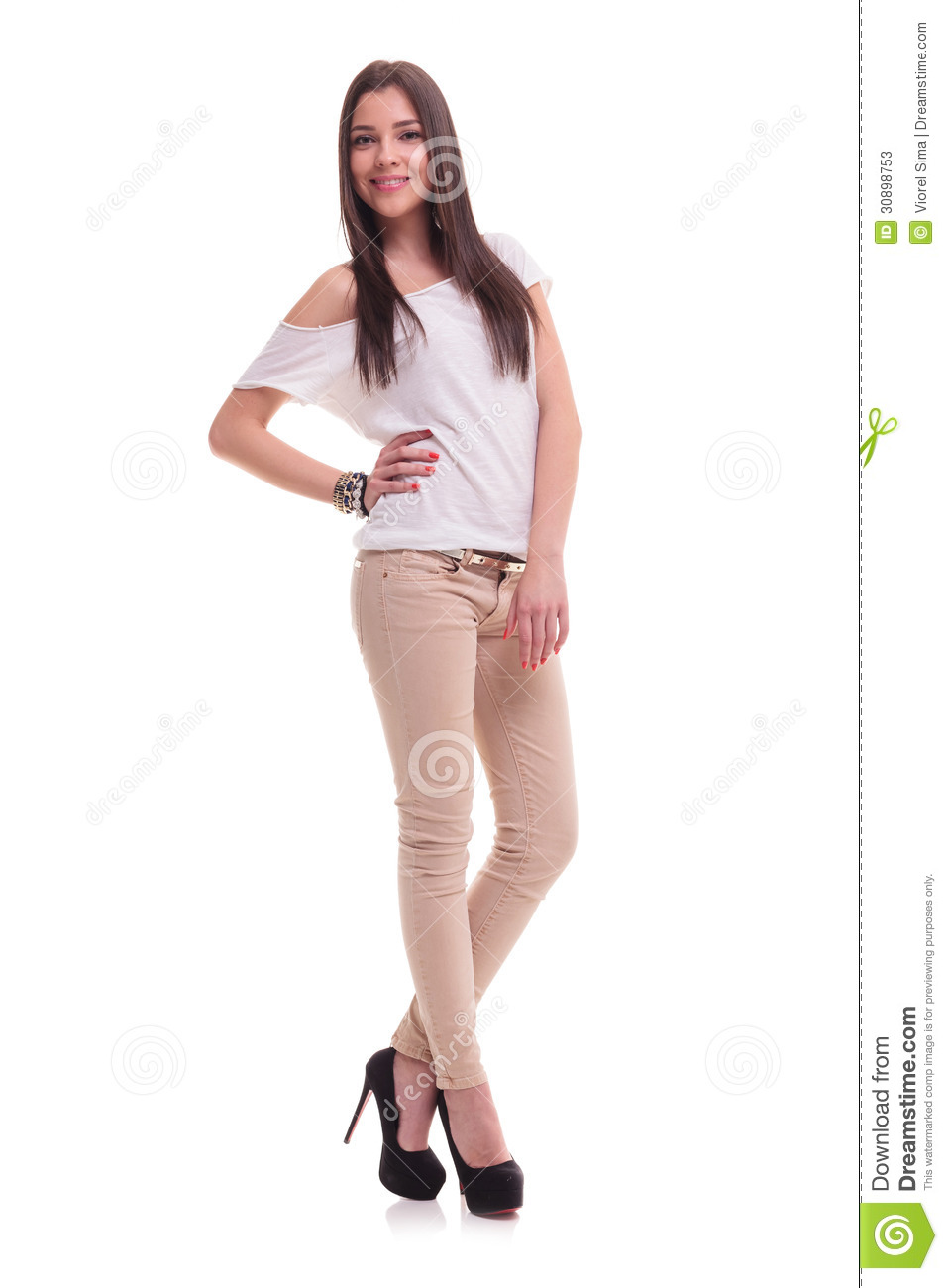 ropa chica joven