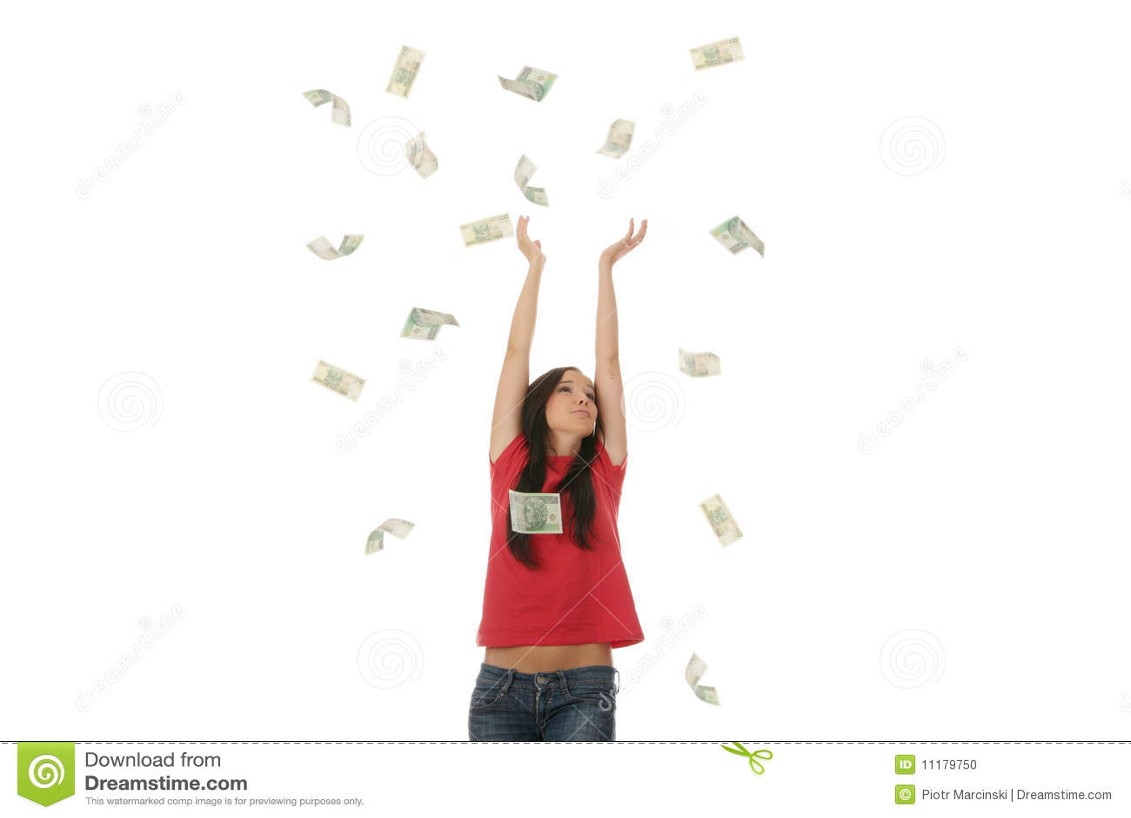 Mujer joven en lluvia polaca del dinero
