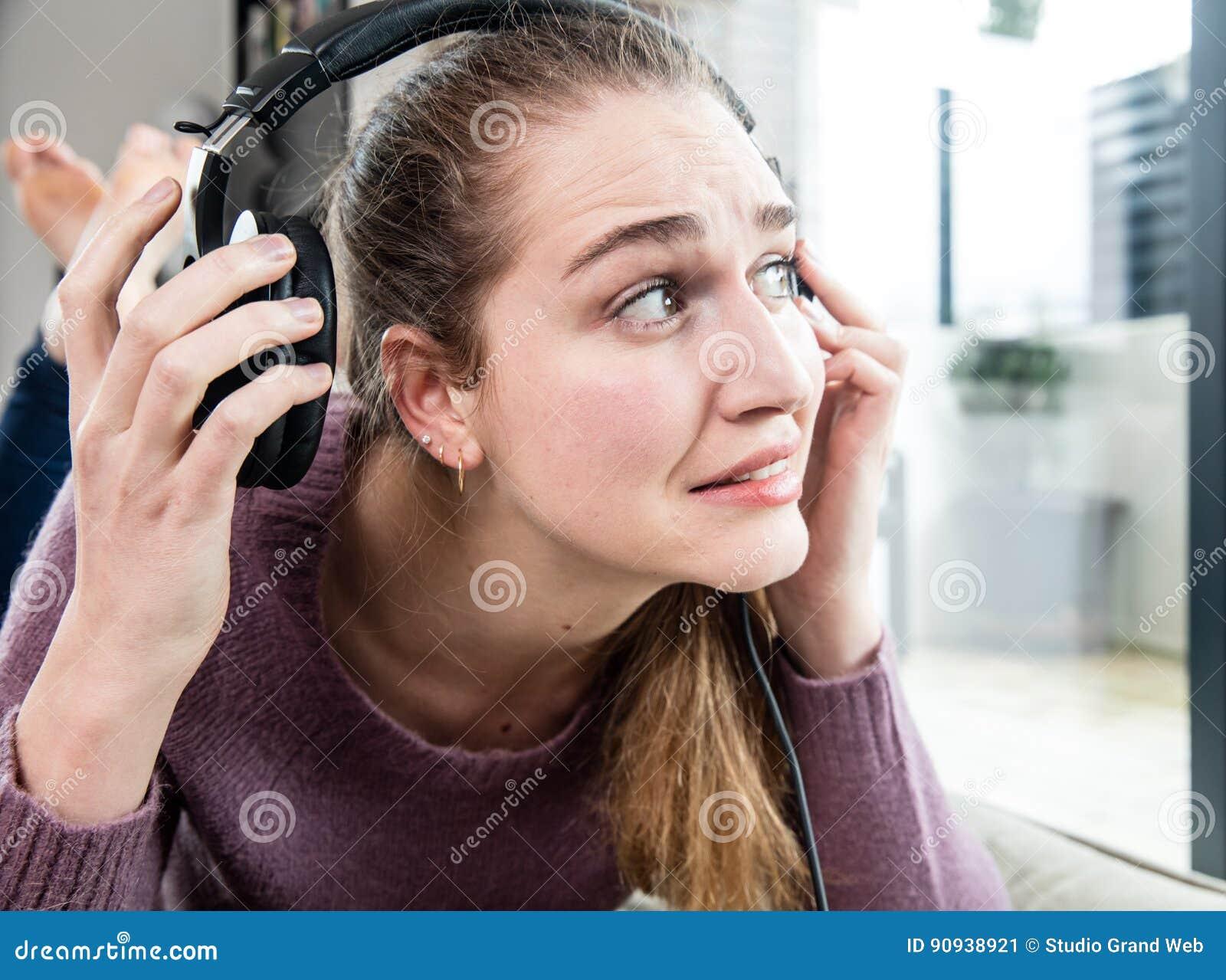 Zumbido en los oídos y dolor de cabeza