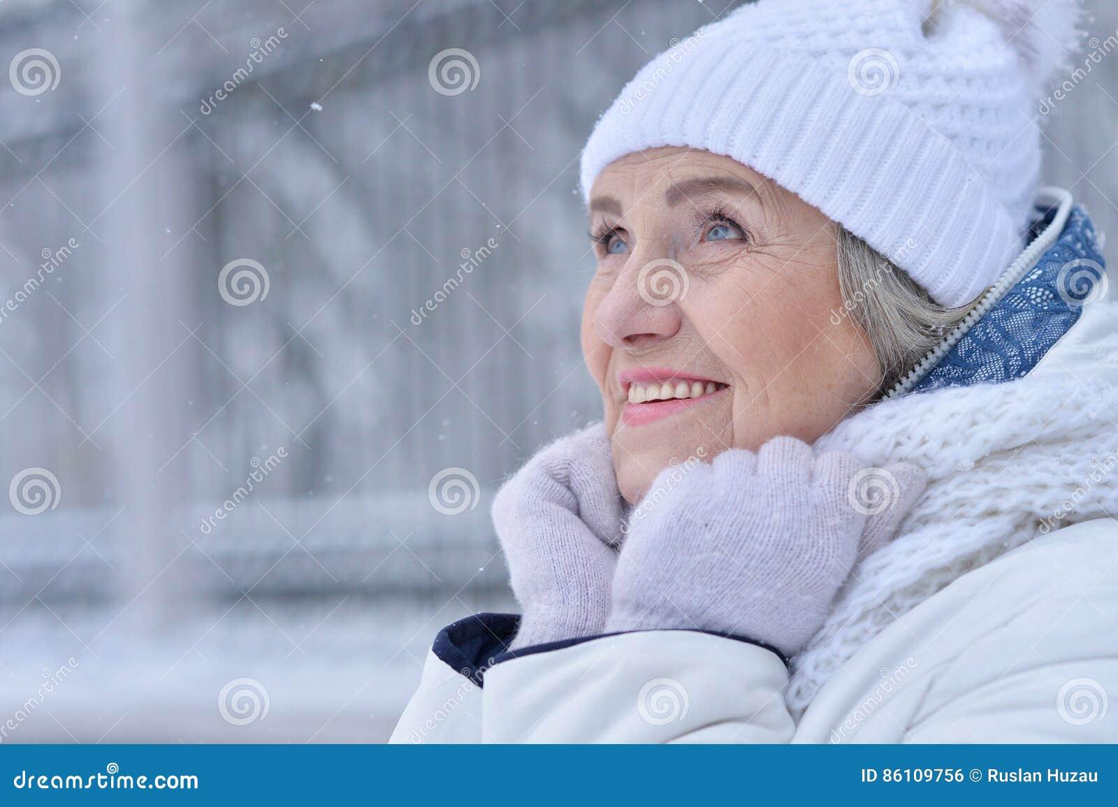 Mujer mayor hermosa