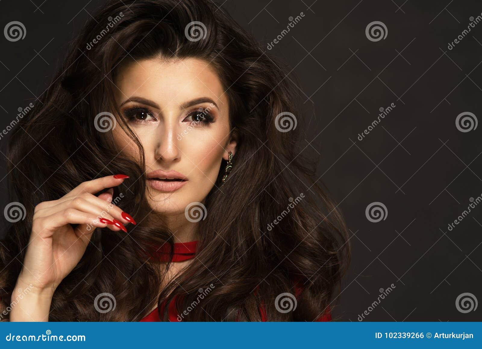 a7874b677 Mujer Morena Hermosa Sensual Foto de archivo - Imagen de maquillaje ...