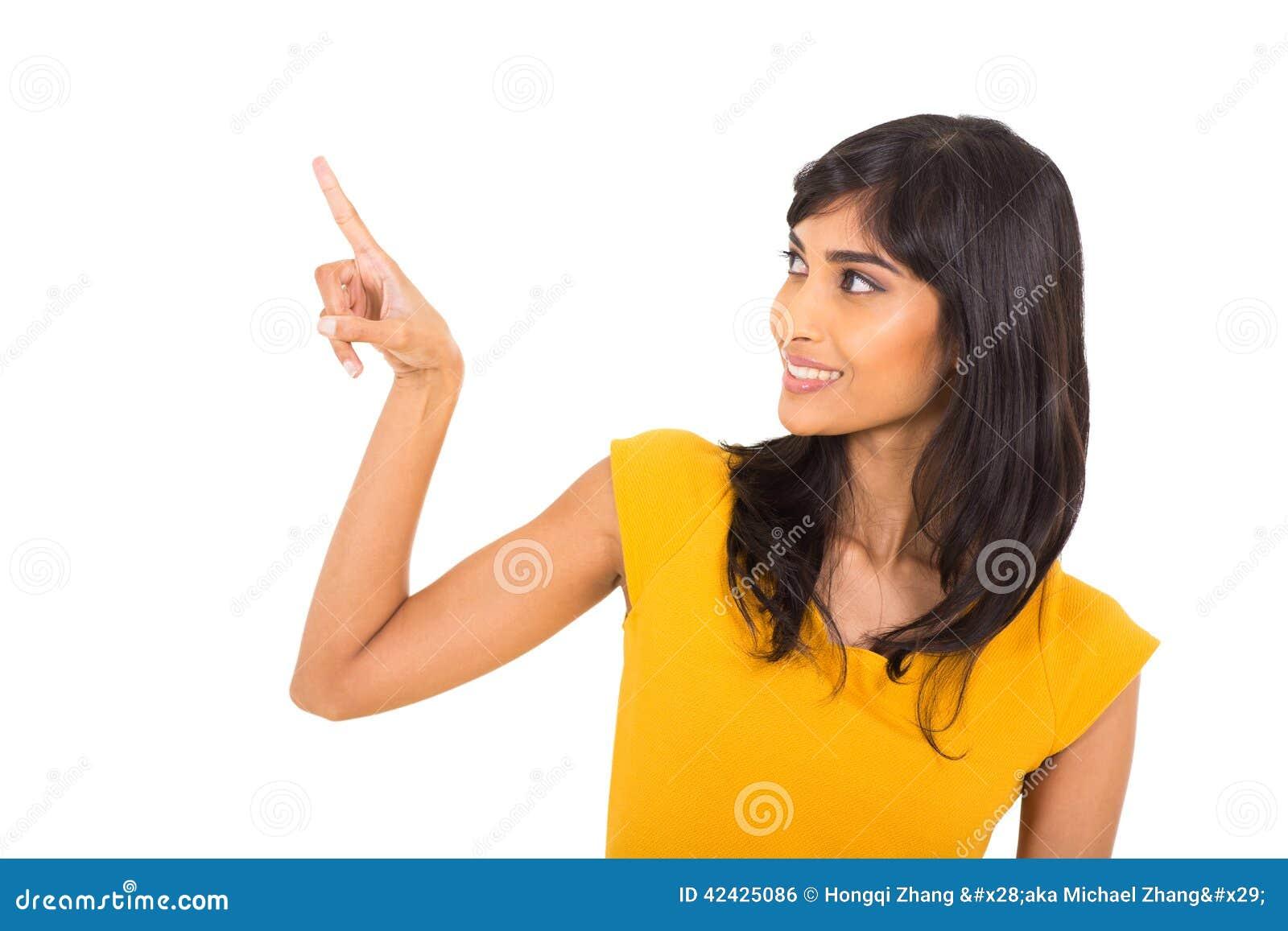 Mujer que señala el dedo