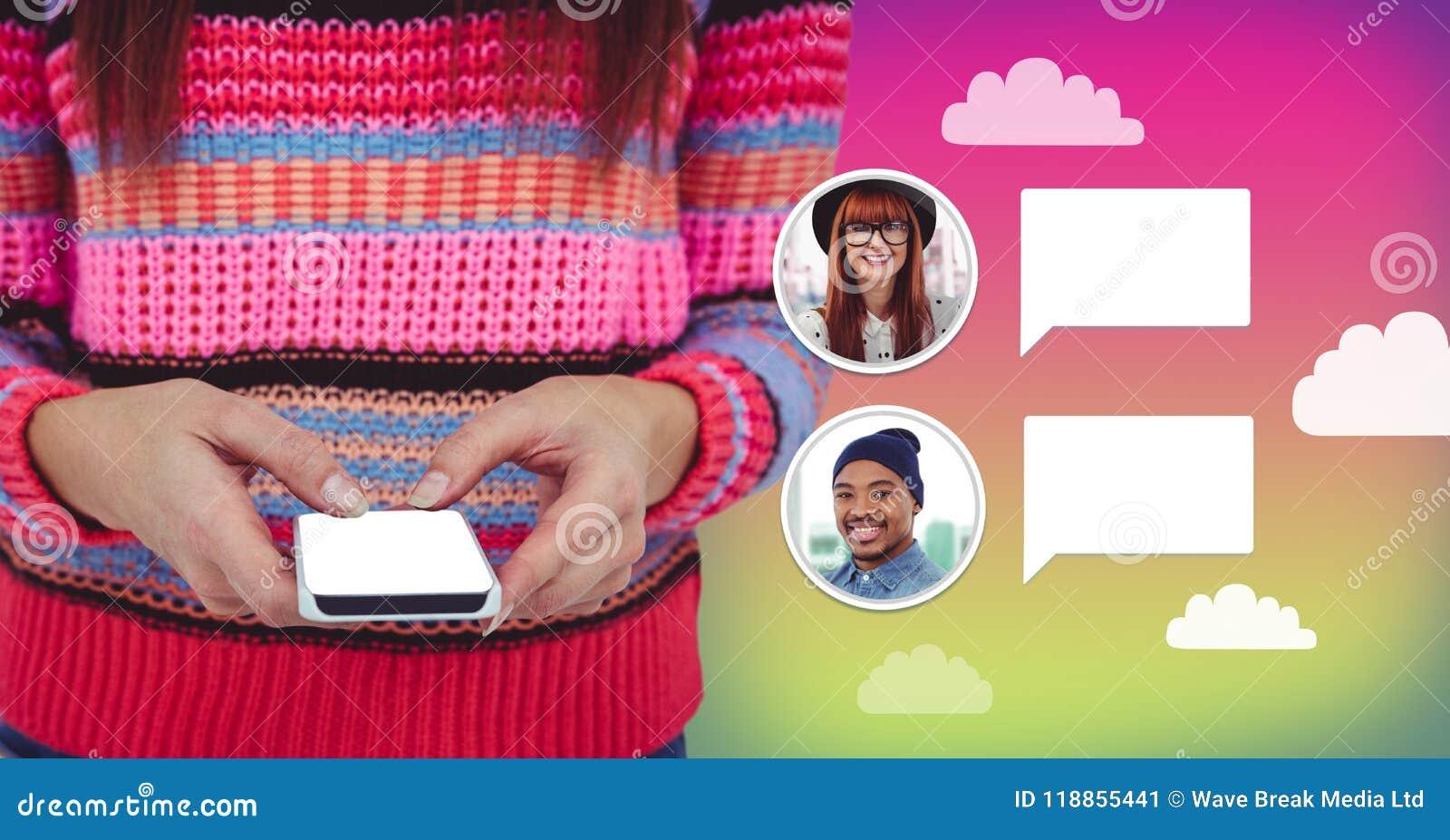 Mujer que usa el teléfono con perfil de la mensajería de la burbuja de la charla