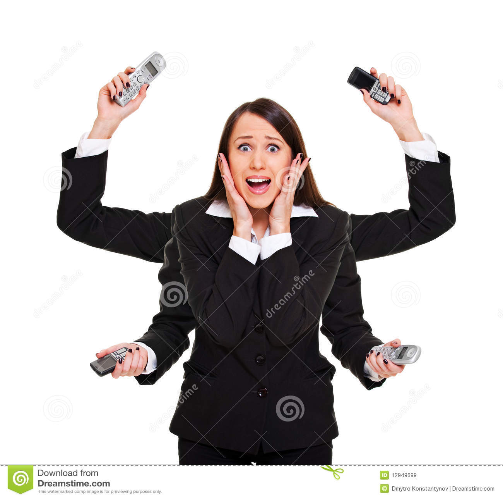 Mujer tensionada con los teléfonos
