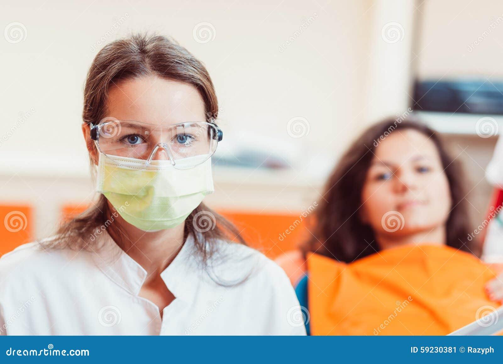 Download Mujer Y Paciente Del Dentista Imagen de archivo - Imagen de higiene, feliz: 59230381