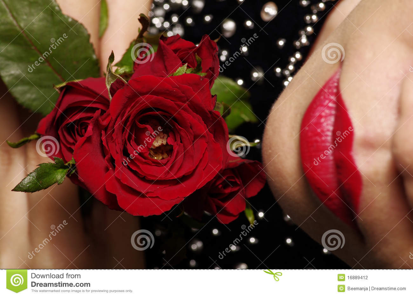 mujer y rosa roja - photo #4