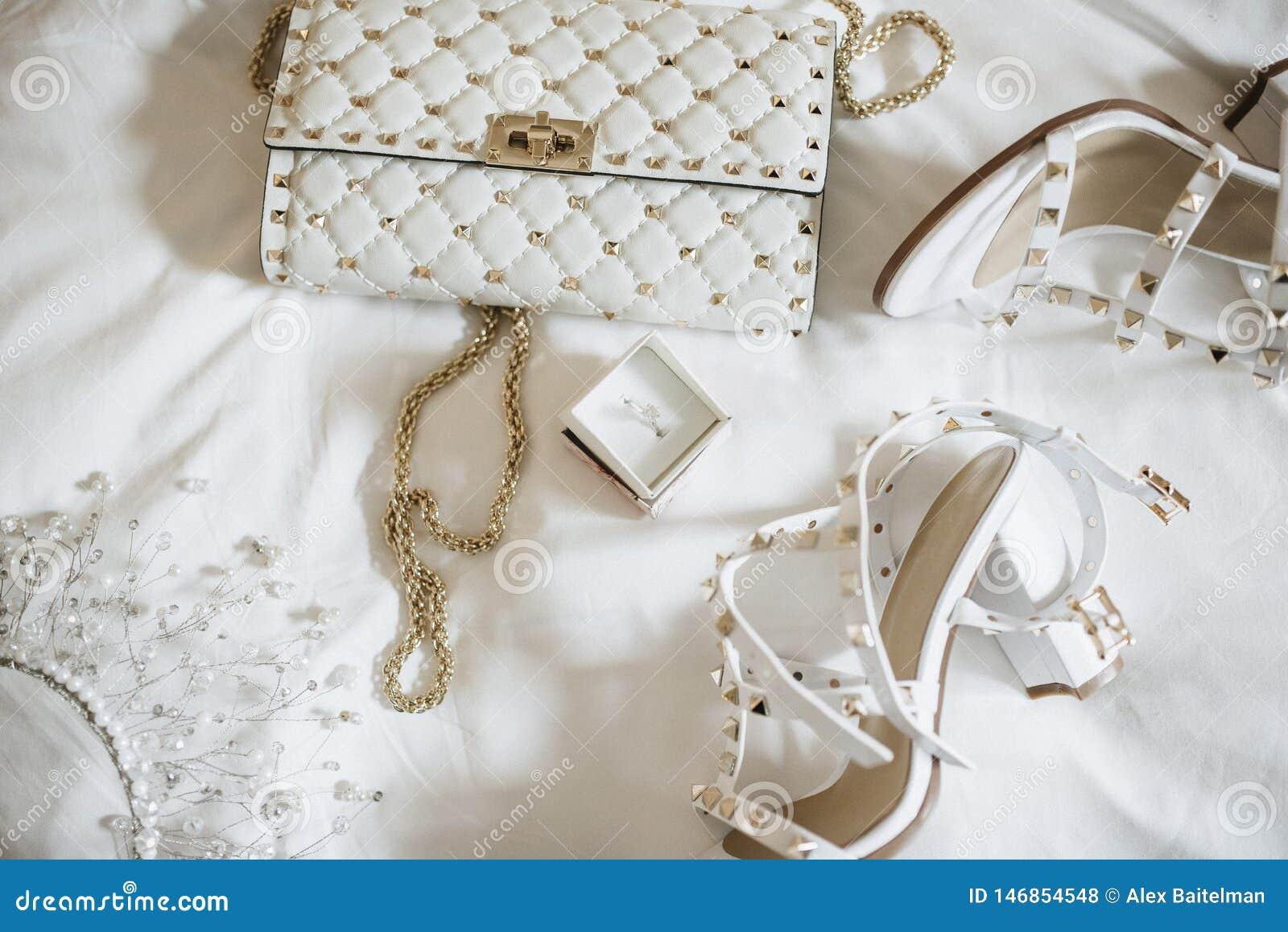 Mujeres  ?novia de los accesorios de s Bolso, zapatos, anillos, perfume nupcial