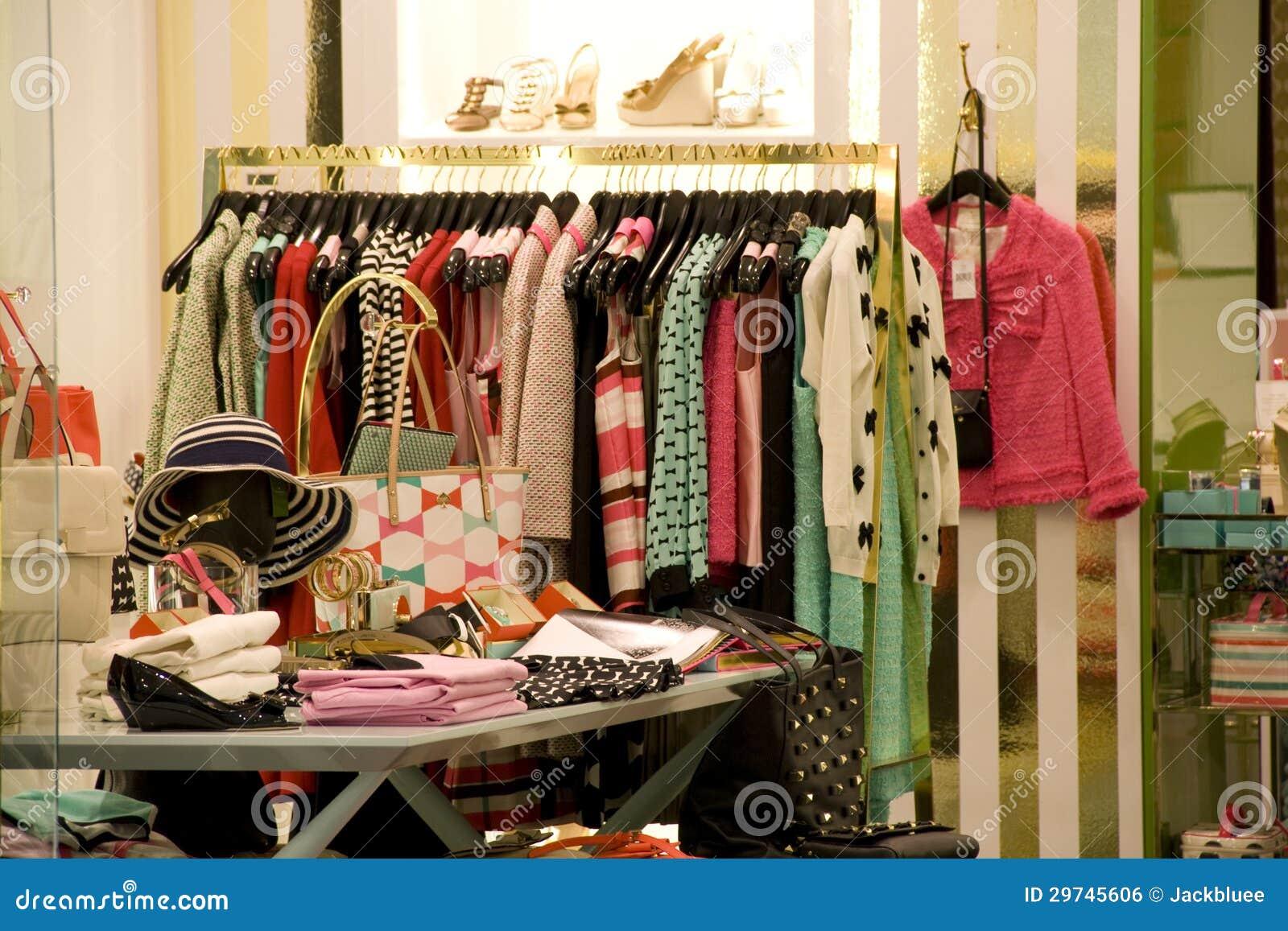 6646d1476 Tienda De La Moda De La Ropa Y Del Zapato De La Mujer Foto de ...