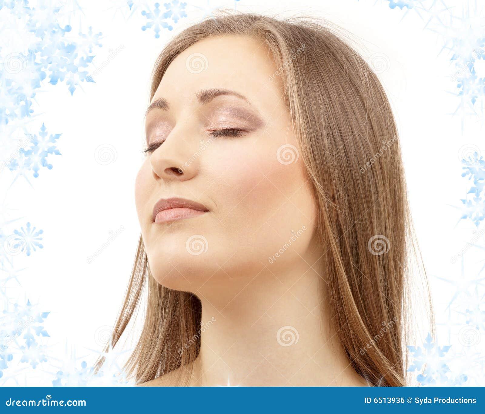 Armario Metal Tok Stok ~ Mulher Bonita Com Olhos Fechados Imagem de Stock Royalty Free Imagem 6513936