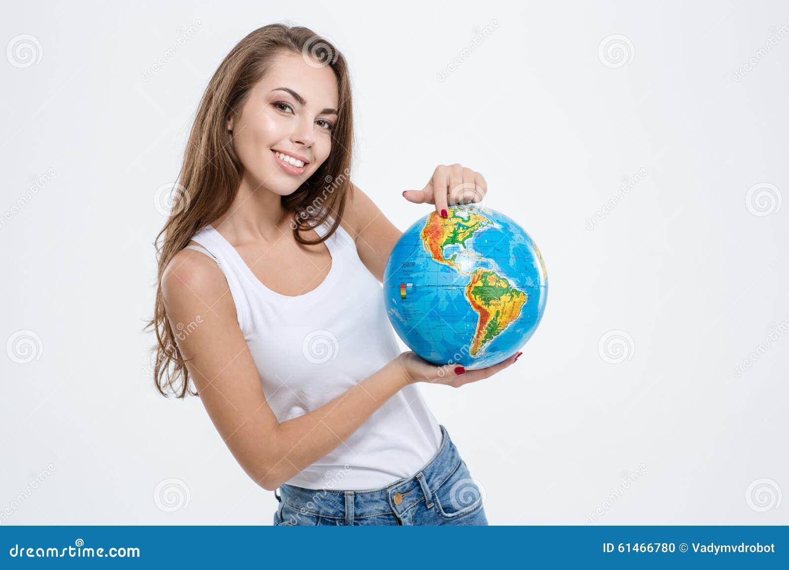 Mulher bonito feliz que guarda o globo foto de stock imagem 61466780 - Oglo o ...