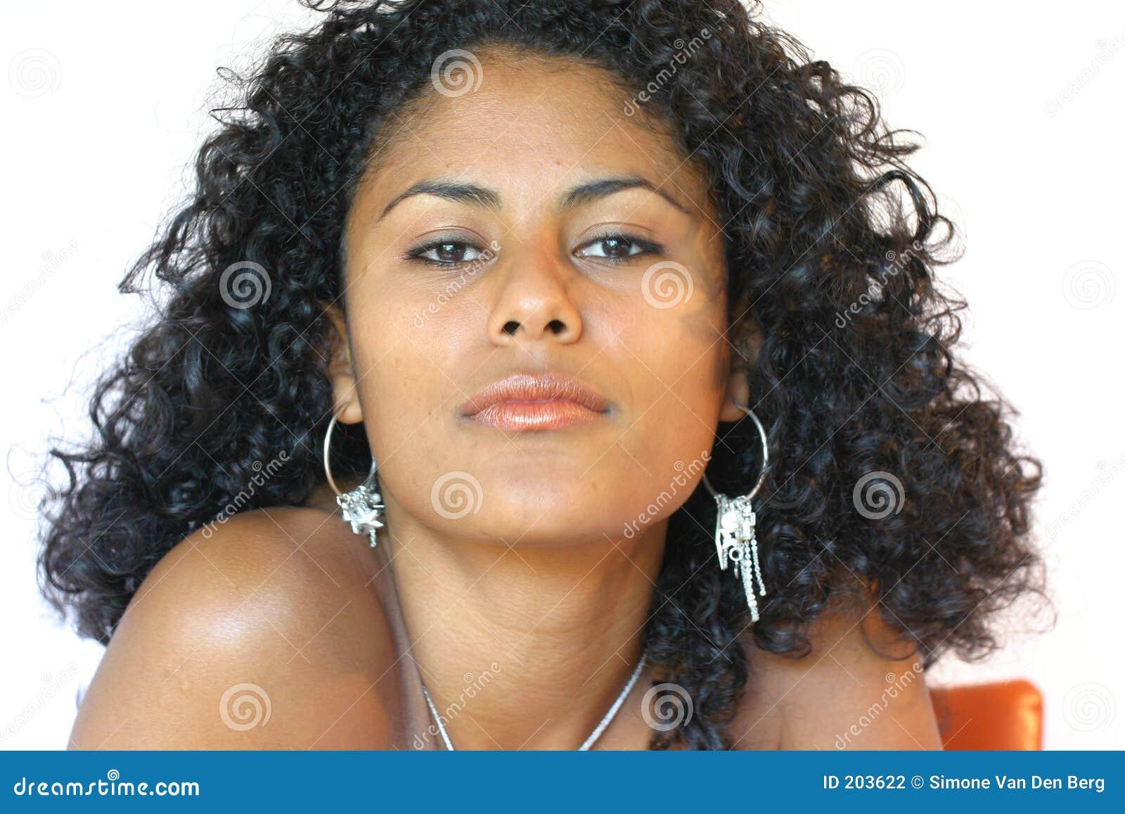 mulher-brasileira-bonita-203622.jpg