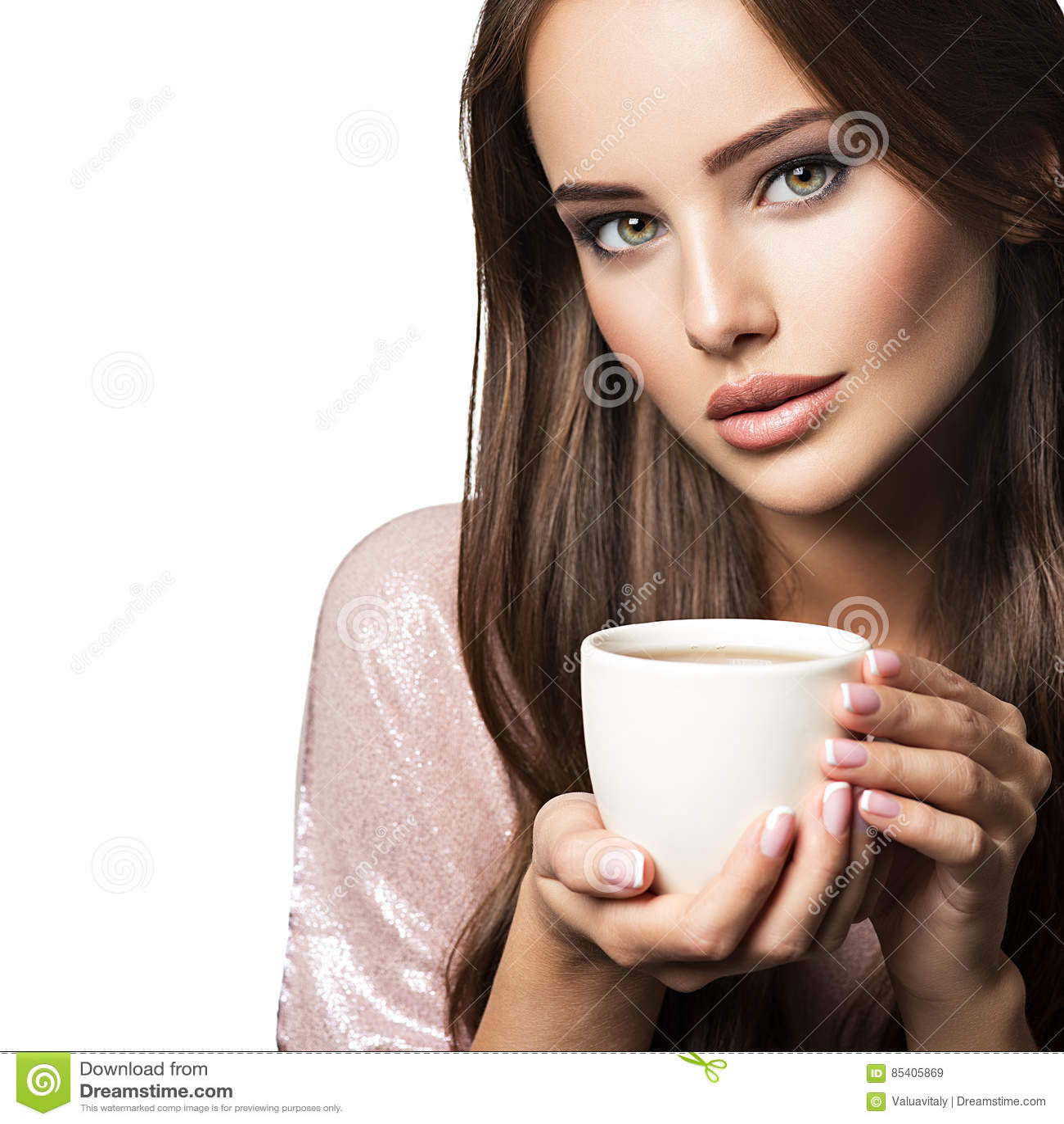 Mulher com chávena de café