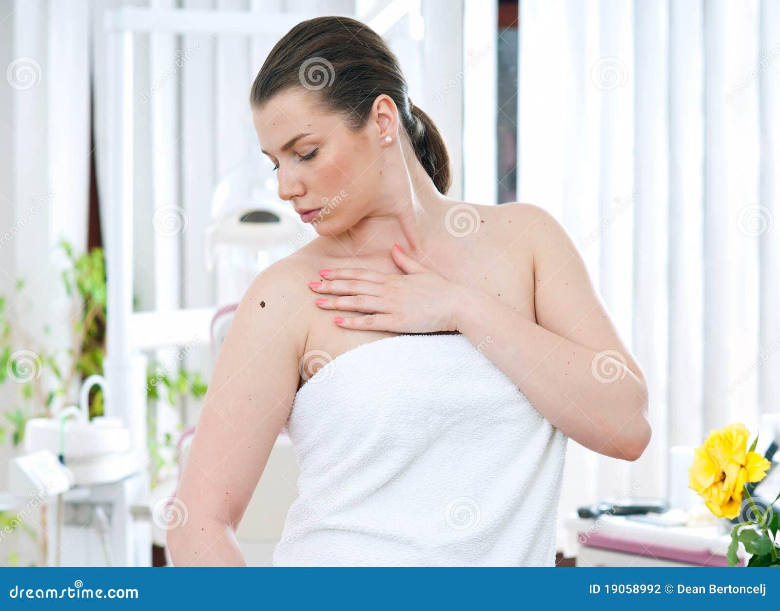 Mulher com melanoma