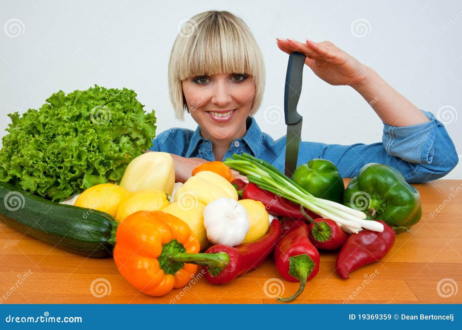 Mulher com vegetais