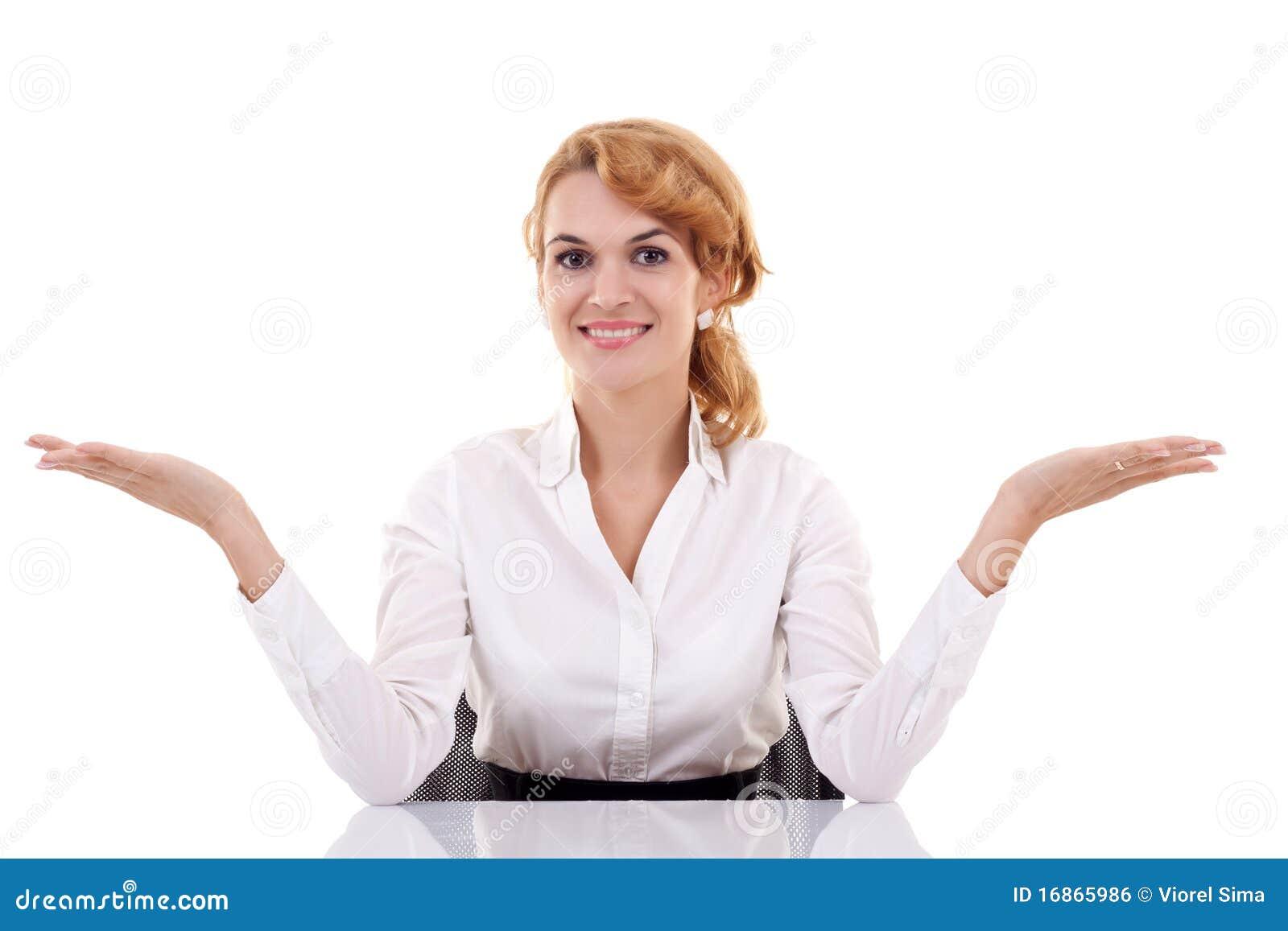 Mulher de negócio atrás da mesa