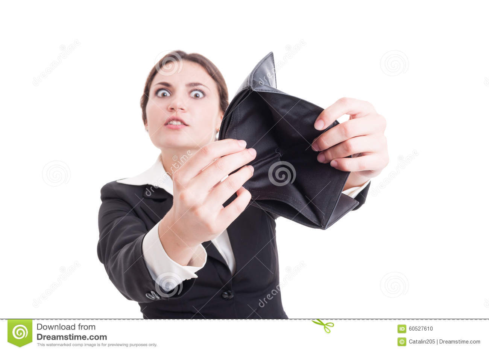 Mulher de negócio desesperada que mostra a carteira vazia