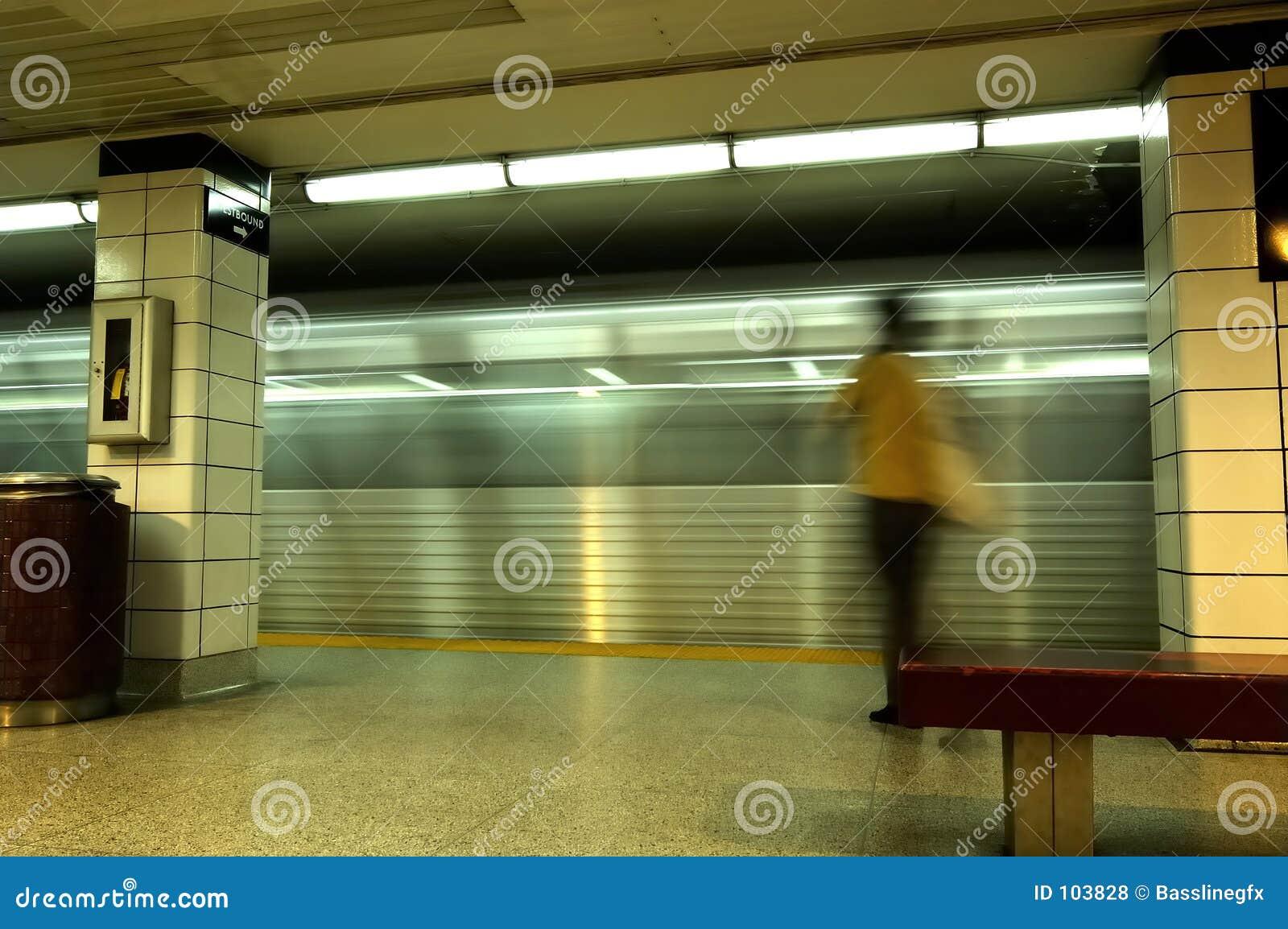 Mulher de negócio do metro