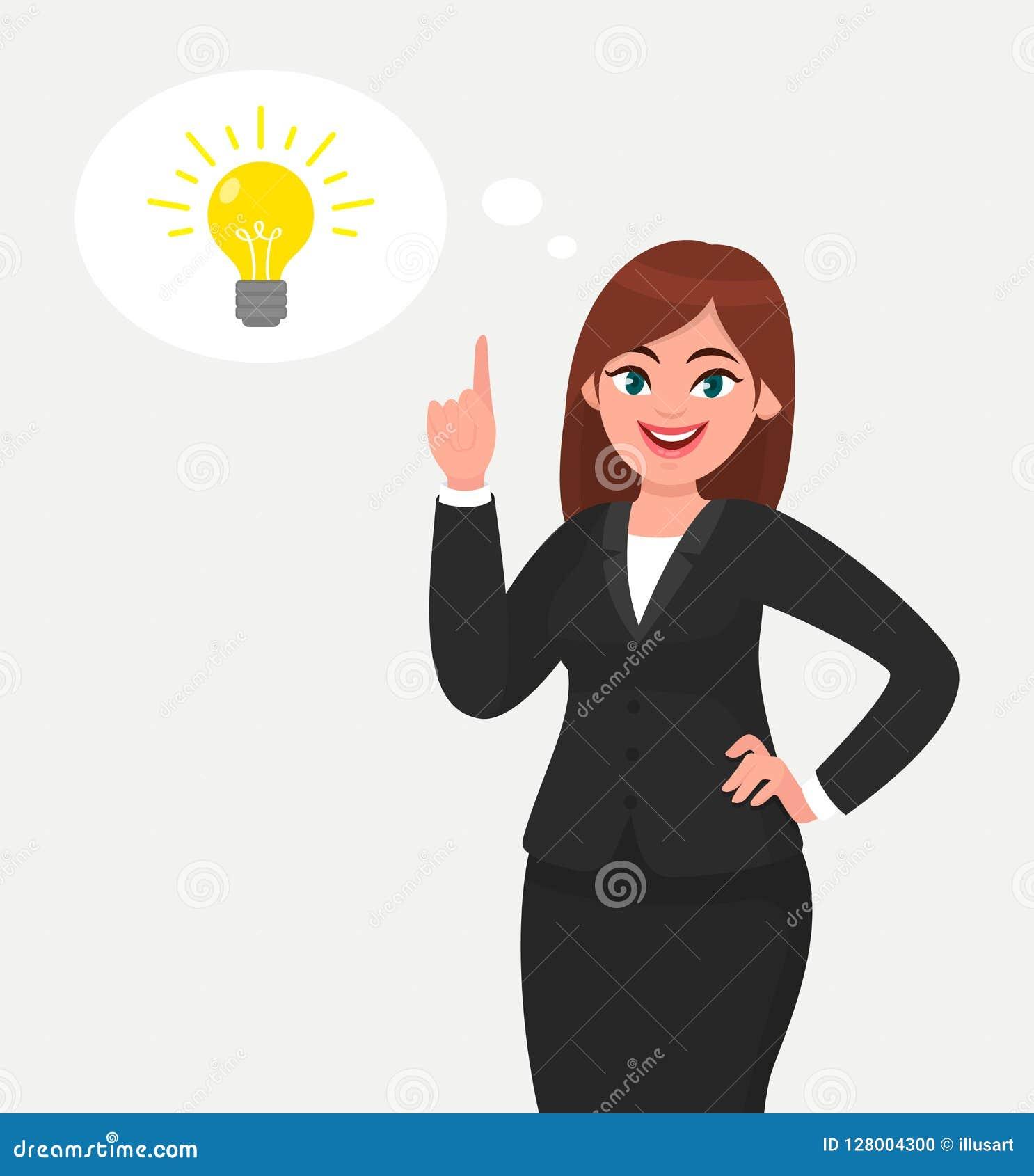 Mulher de negócio feliz que aponta a mão acima e a ampola brilhante que aparece na bolha do pensamento