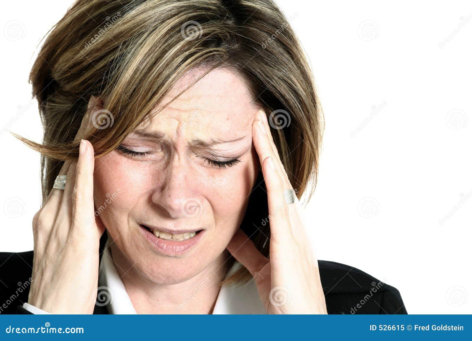 Mulher de negócios com dor de cabeça