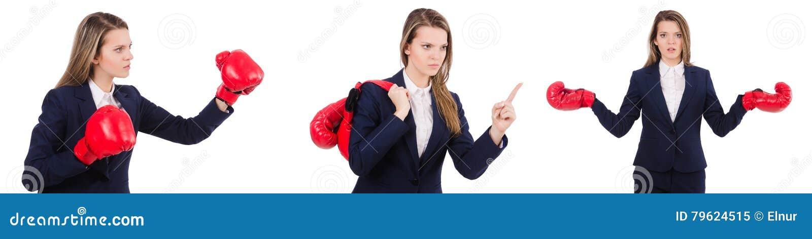 A mulher de negócios da mulher com as luvas de encaixotamento no branco