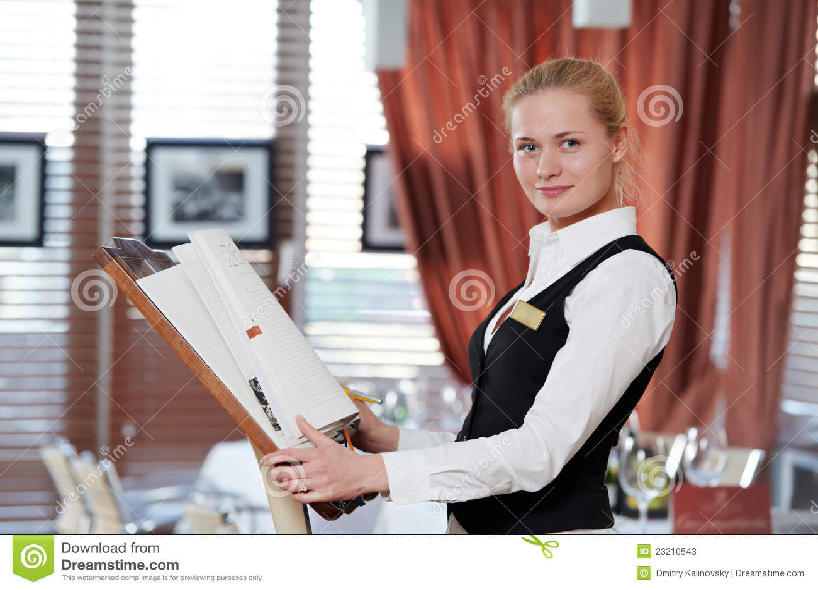 Mulher Do Gerente Do Restaurante No Trabalho Stock Images - 643 Photos