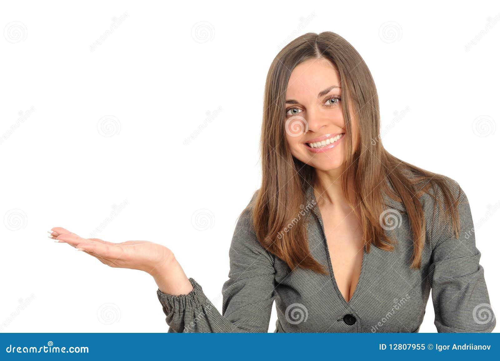 Mulher do retrato que estica a mão, representando