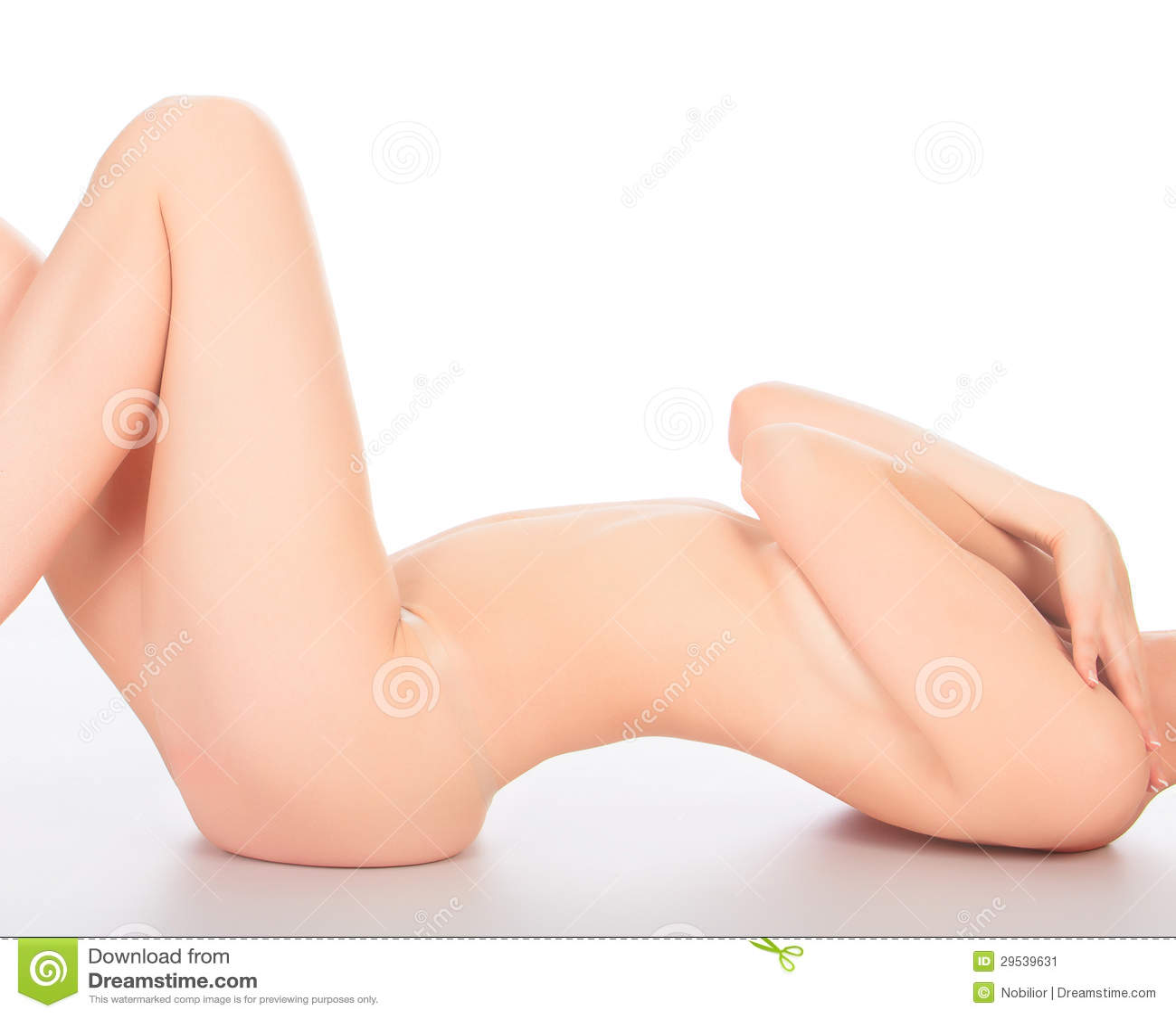 Mulher em um assoalho branco