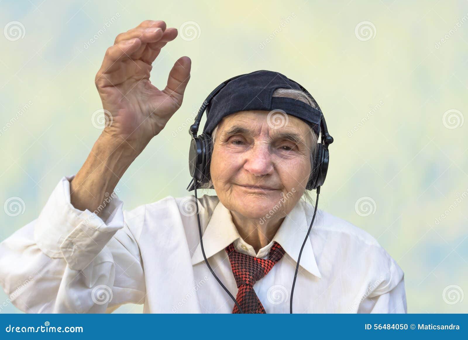 porno idosa feliz pt