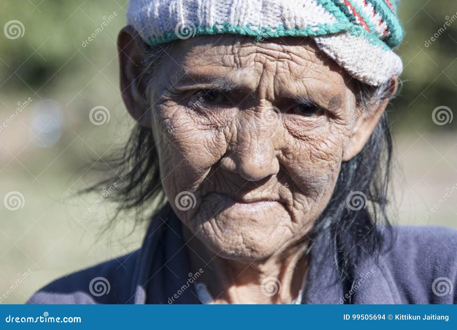 Mulher mais idosa