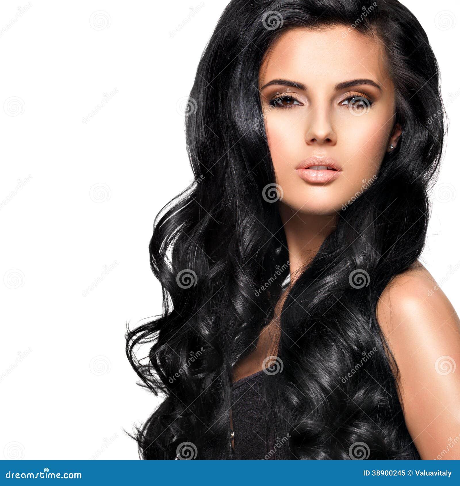 mulher-moreno-bonita-com-cabelo-preto-longo-38900245.jpg