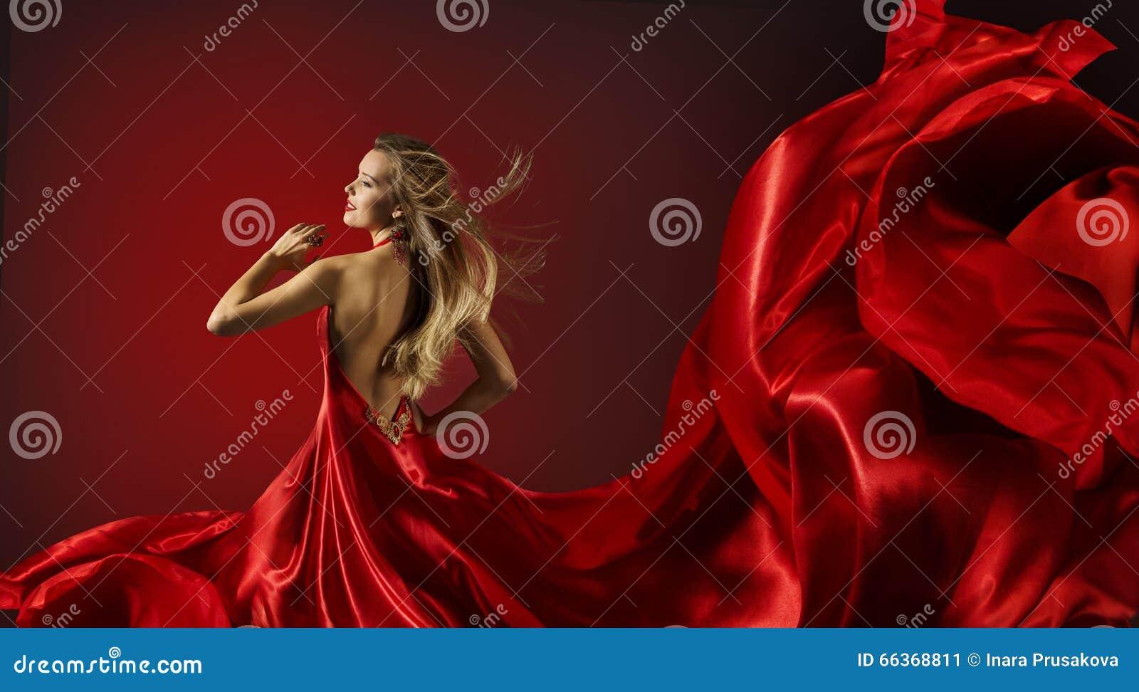 Mulher na dança vermelha do vestido, modelo de forma com tela do voo