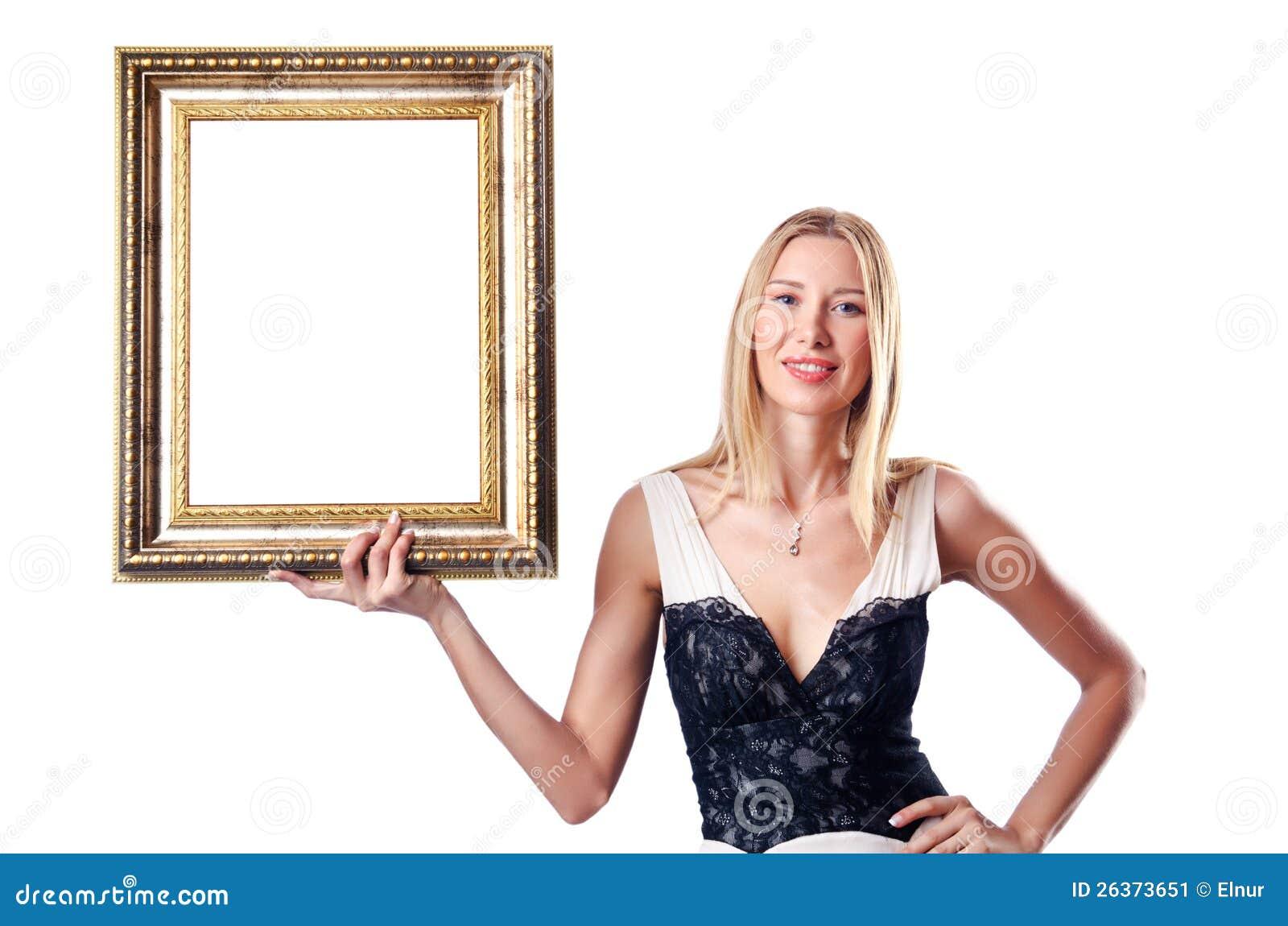 Mulher nova com frame de retrato