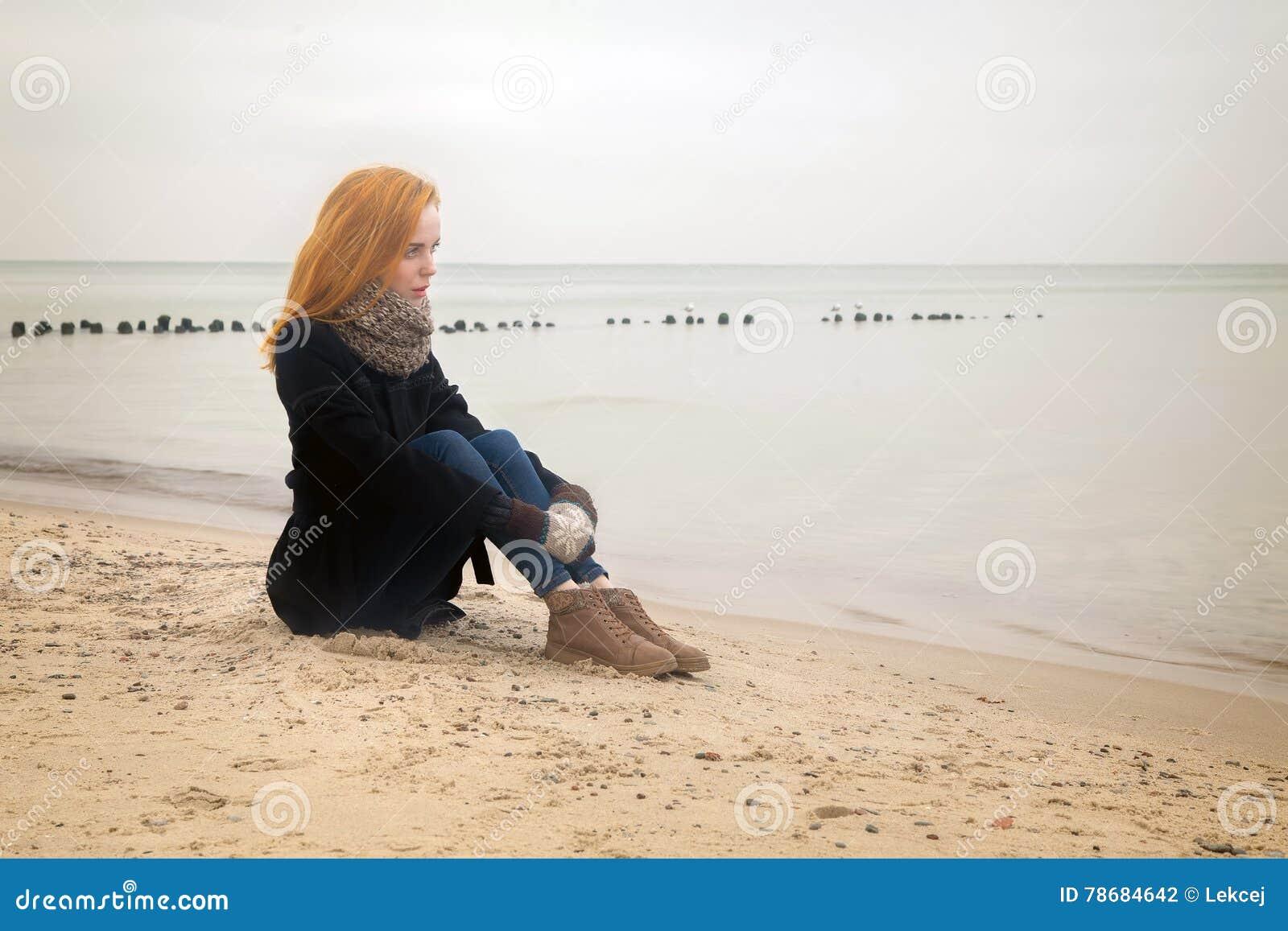 Mulher Pensativa Triste Foto De Stock Imagem De Pessoa