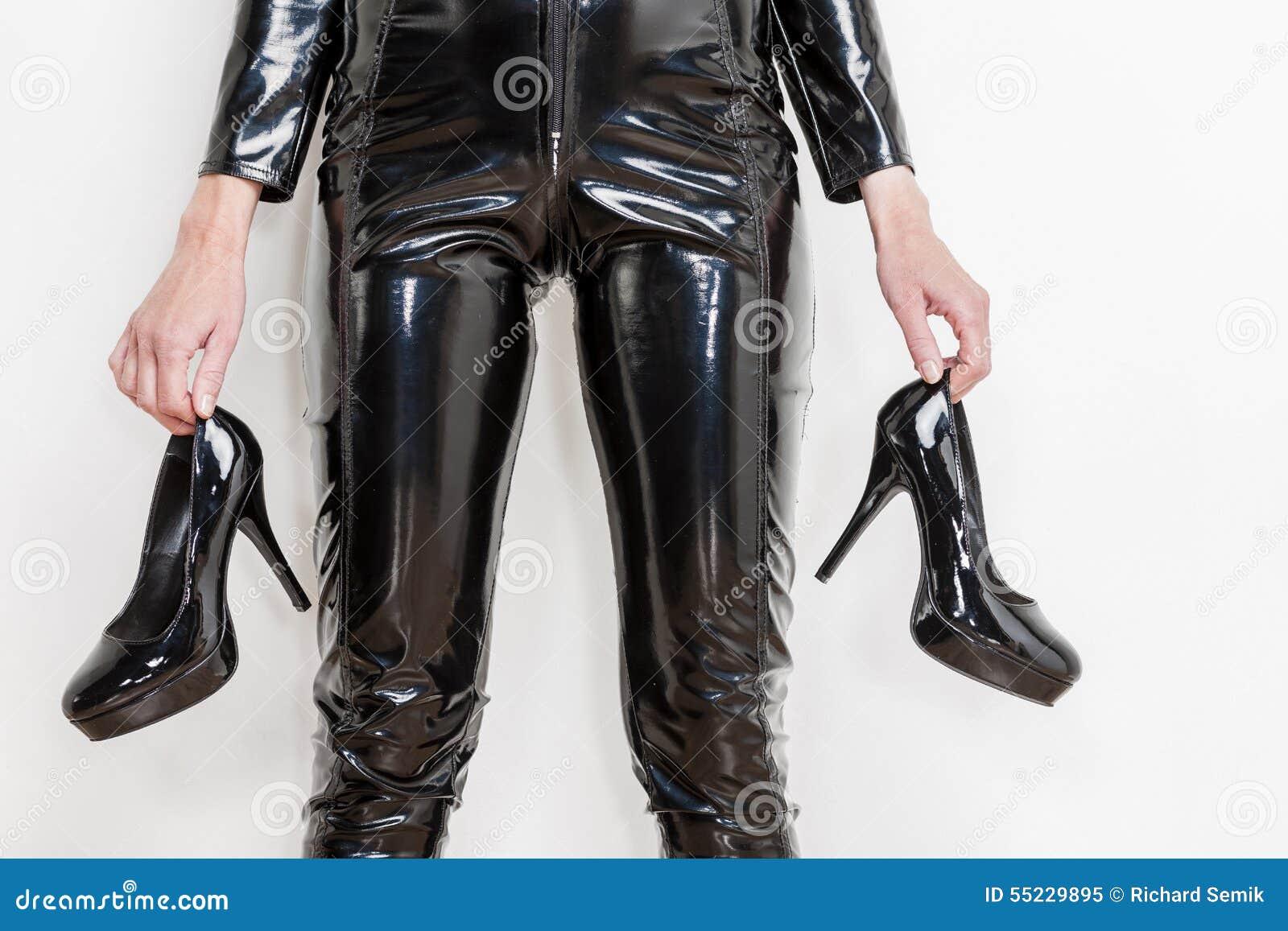 d82156c4e Mulher Que Desgasta A Roupa Extravagante Imagem de Stock - Imagem de ...
