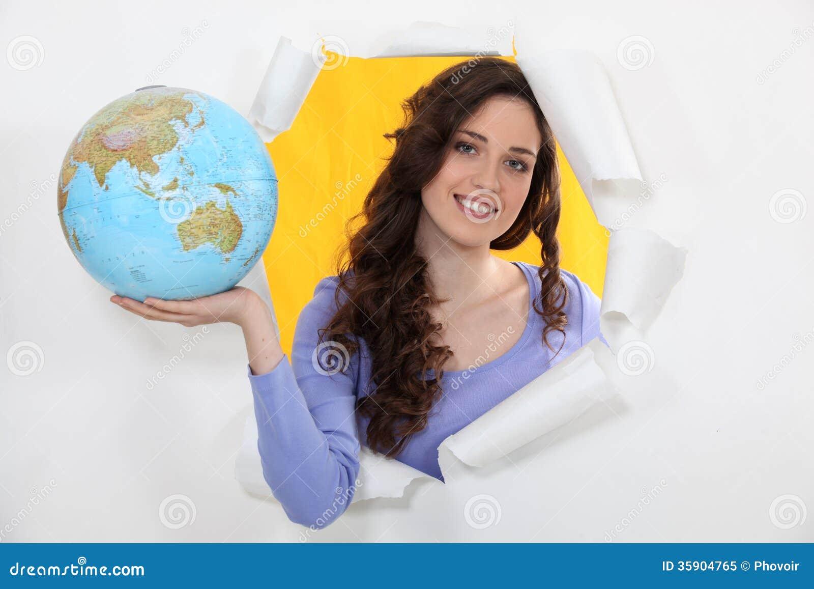 Mulher que guarda o globo