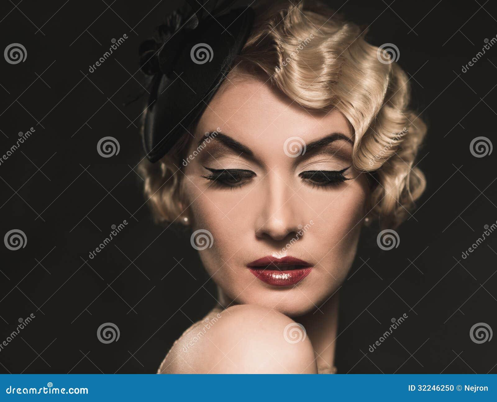 Mulher retro bonita