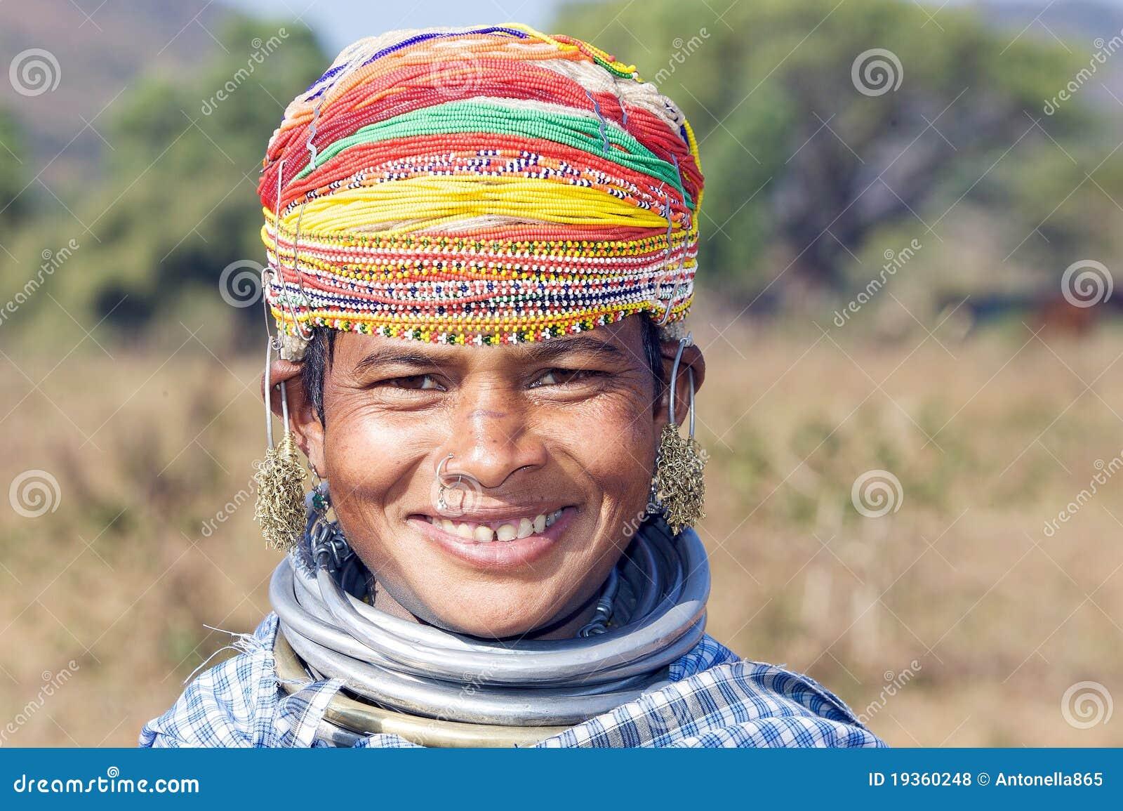 Mulher tribal de Bonda