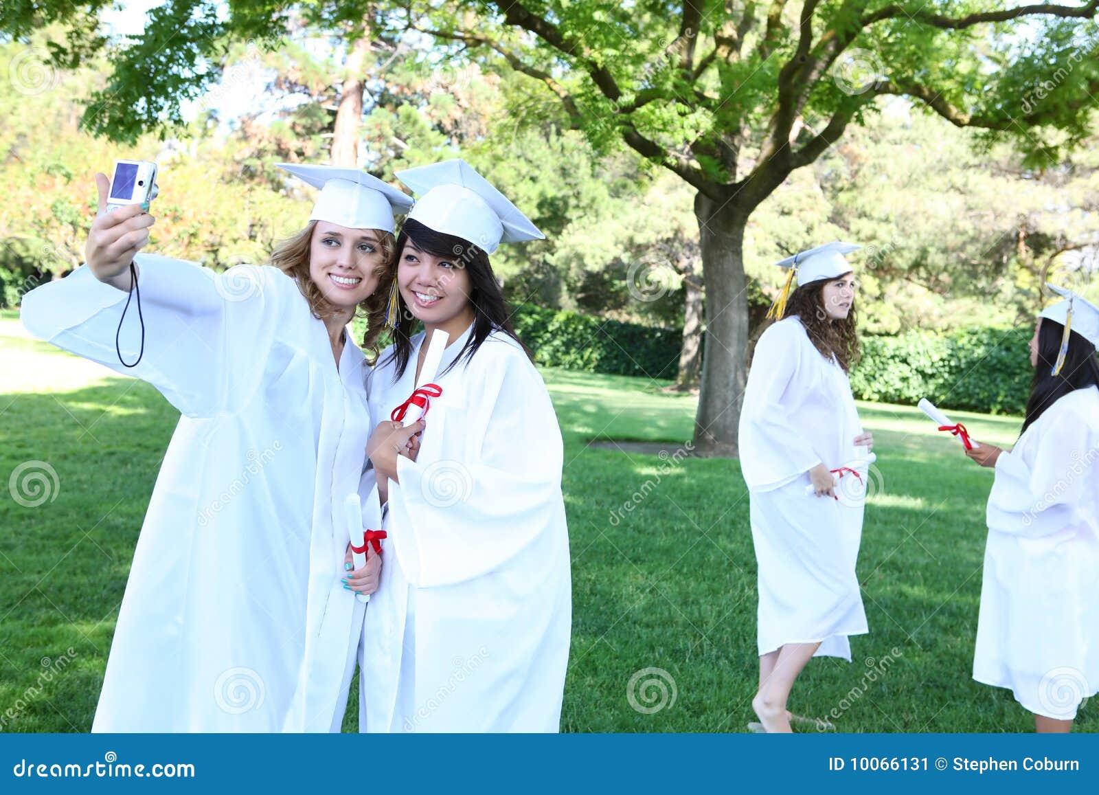 Mulheres consideravelmente novas na graduação